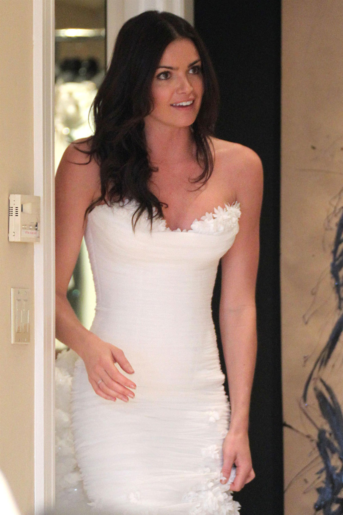 Courtney Robertson Tries on Wedding Dresses in Beverly Hills ...