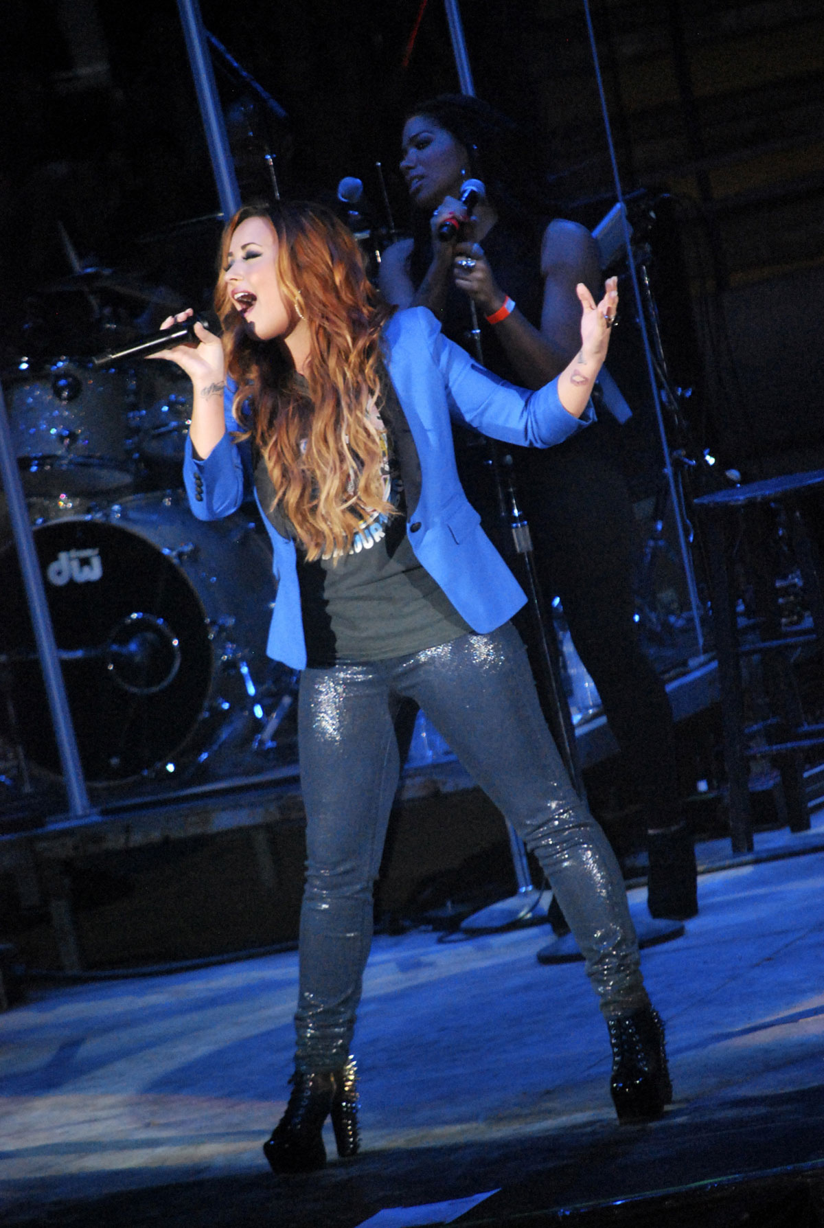 Demi Lovato Perofrms At Austin Rodeo In Austin Hawtcelebs