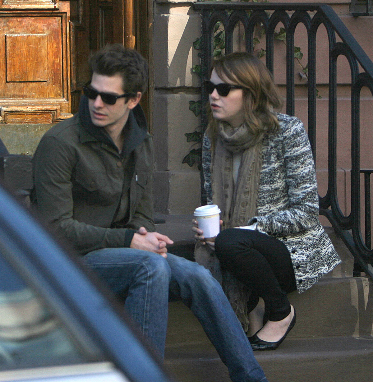 emma stone and andrew garfield sharing a kiss in new york