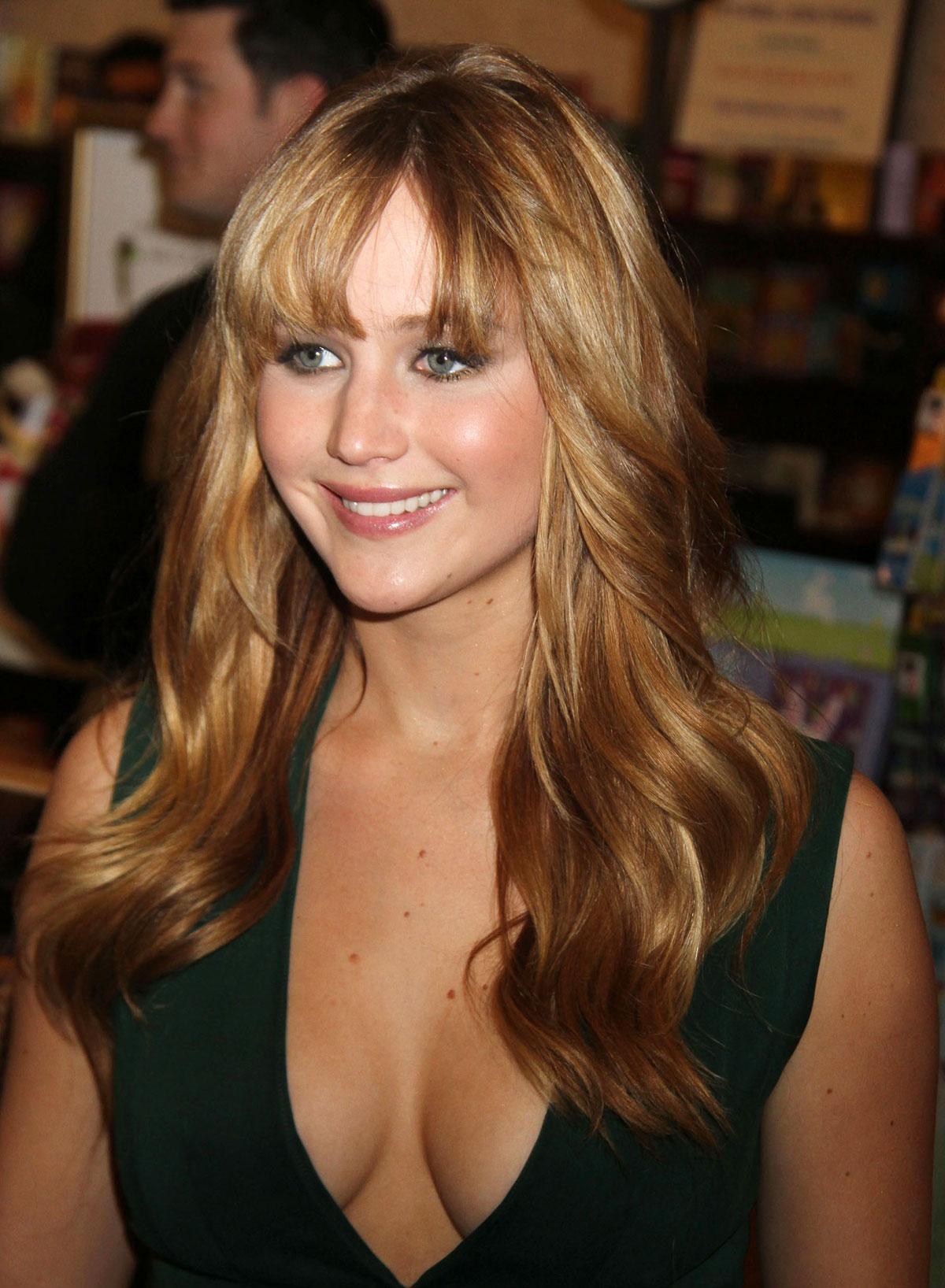 Jennifer Lawrence - A Beautiful Planet Premiere in New