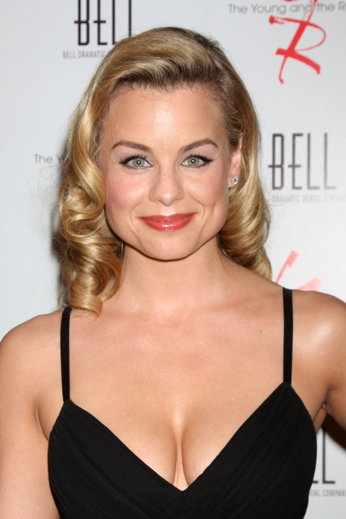 Jessica Collins Jessica Collins new images