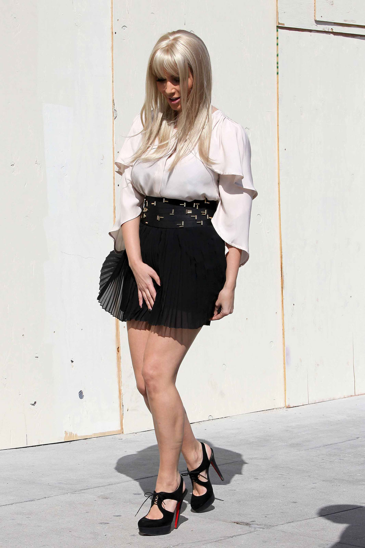 Kim Kardashian Leggy At Samuel French Bookshop In