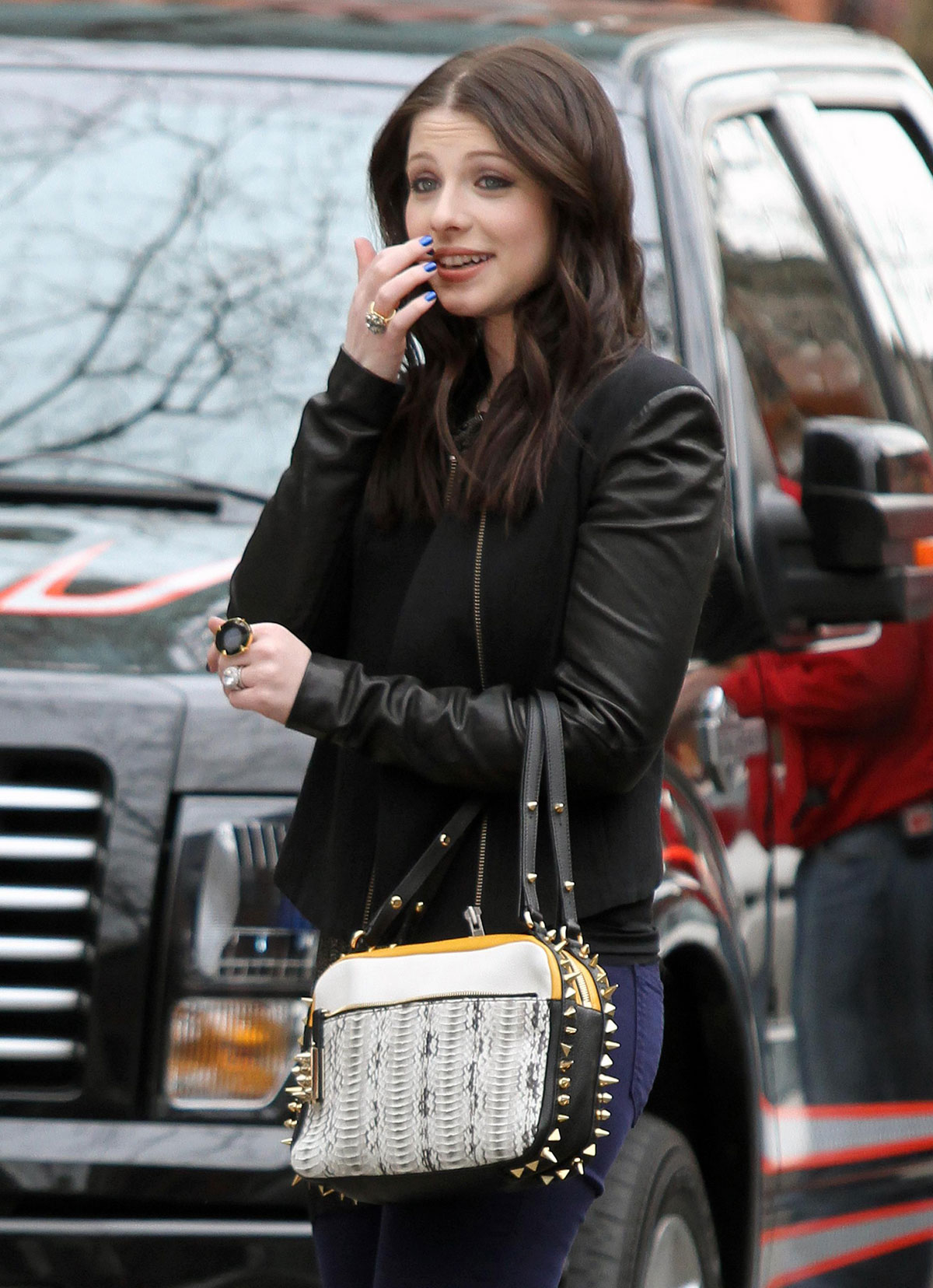 MICHELLE TRACHTENBERG on the Gossip Girl Set in New York 11 michelle trachtenberg on the gossip girl set in new york hawtcelebs