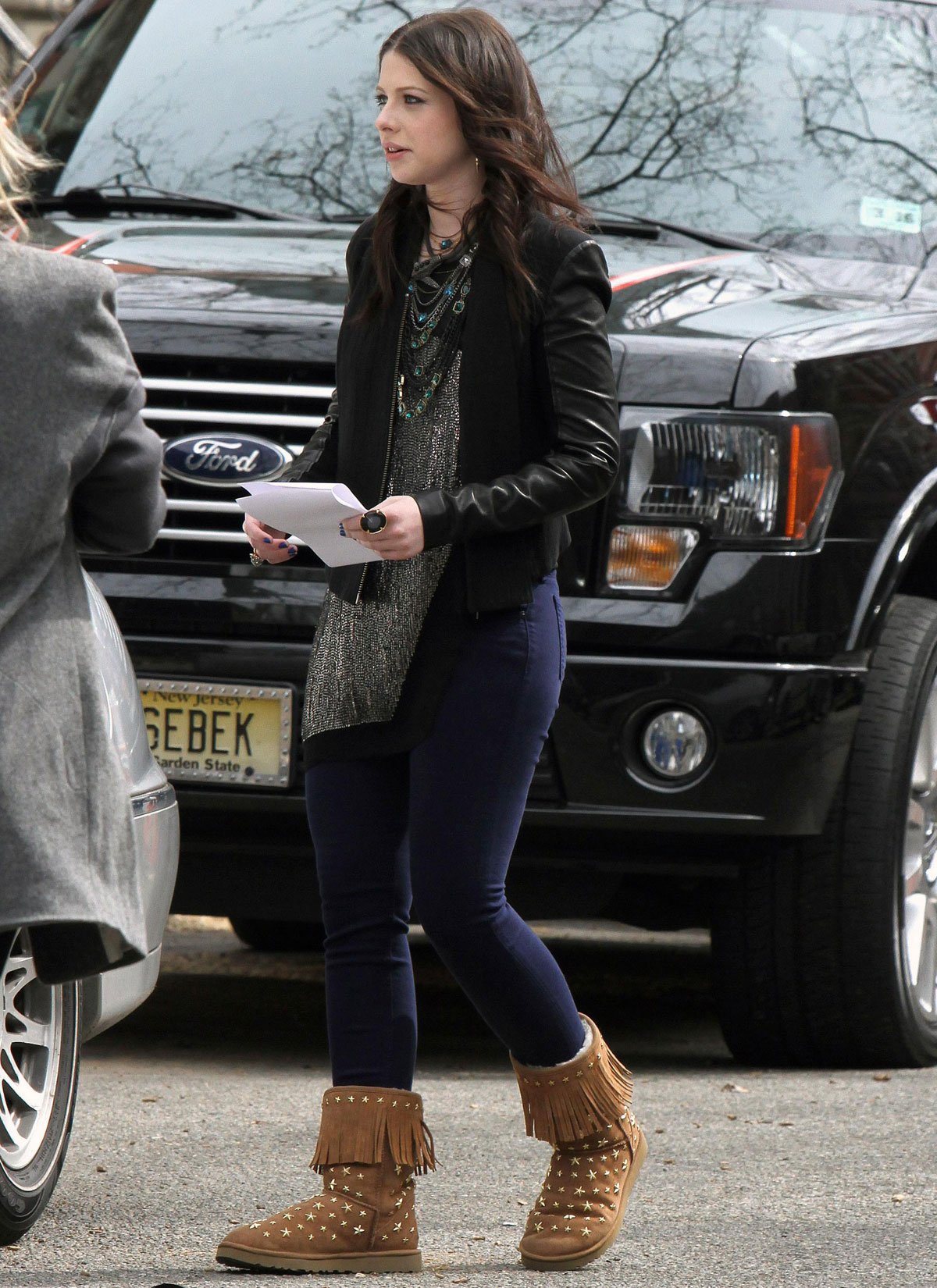 MICHELLE TRACHTENBERG on the Gossip Girl Set in New York 2 michelle trachtenberg on the gossip girl set in new york hawtcelebs