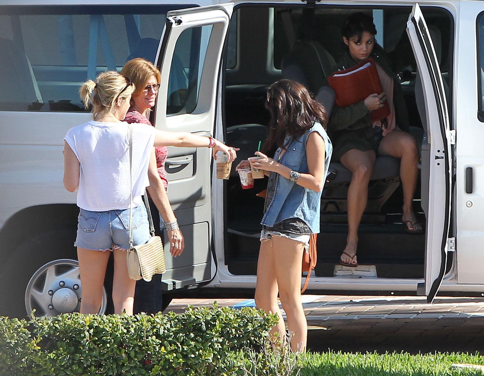 Selena gomez shorts cheeks try reasonable