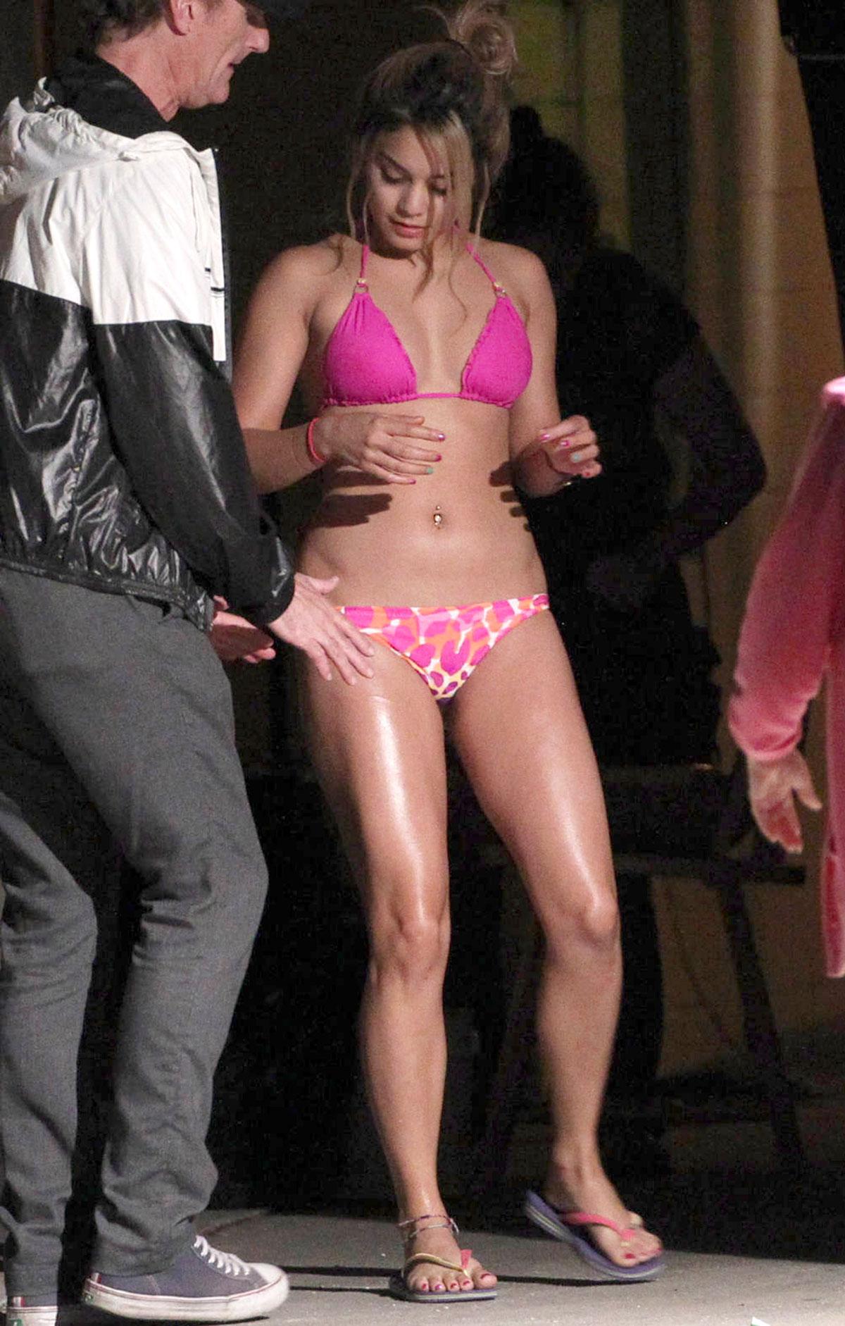 Vanessa Hudgens In Bikini On Set Of Spring Breakers In
