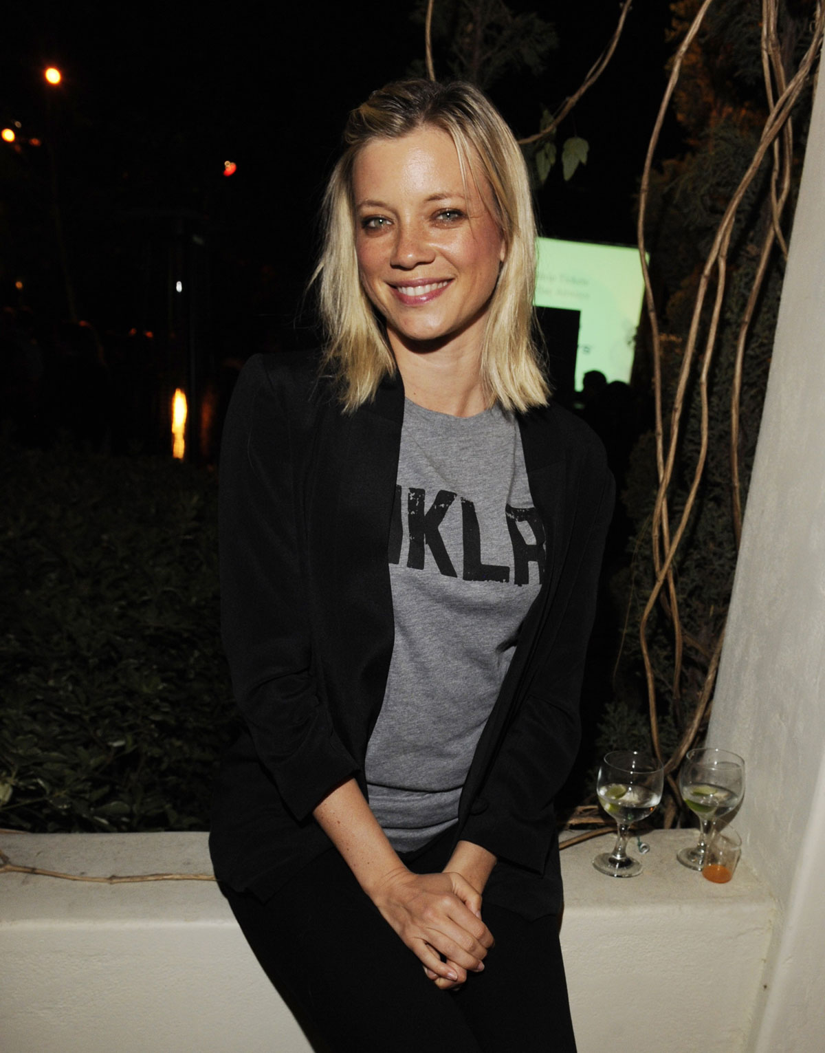 Amy Smart Hot Images amy smart at fluffball animal charity event – hawtcelebs