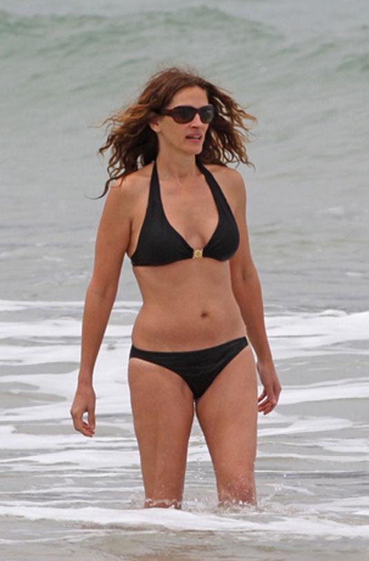 Julia Roberts In Bikini At A Beach In Hawaii Hawtcelebs