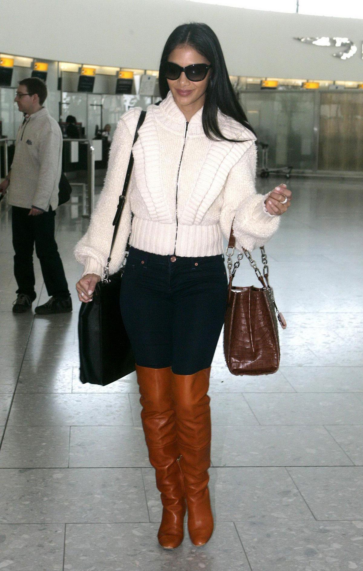 Haruno Sexy Nicole Scherzinger At The Heathrow Airport In