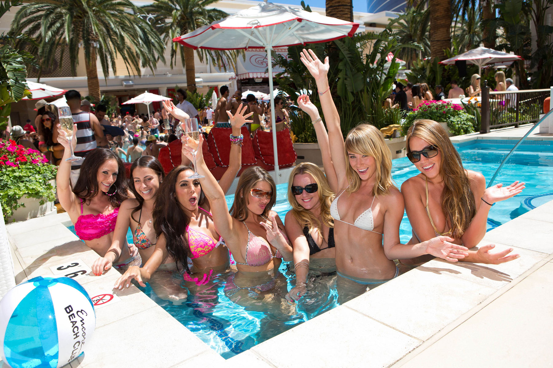 Las vegas casino nude beach lucky derby casino ca