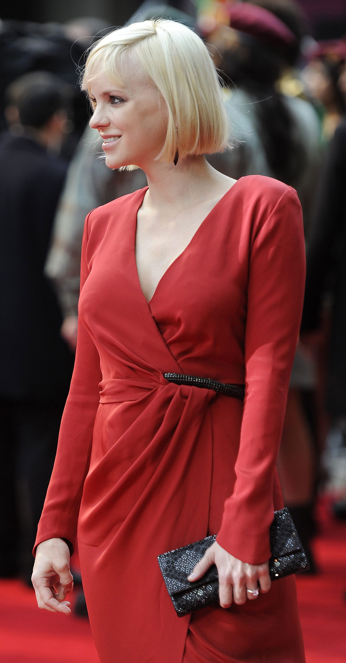 ANNA FARIS at World Premiere of The Dictator in London ...