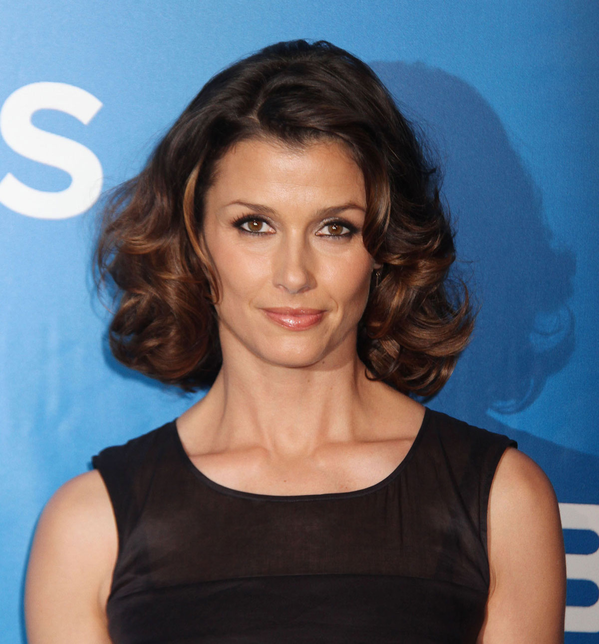 The 46-year old daughter of father Edward Bradley Moynahan and mother Mary Bridget Moynahan, 177 cm tall Bridget Moynahan in 2018 photo
