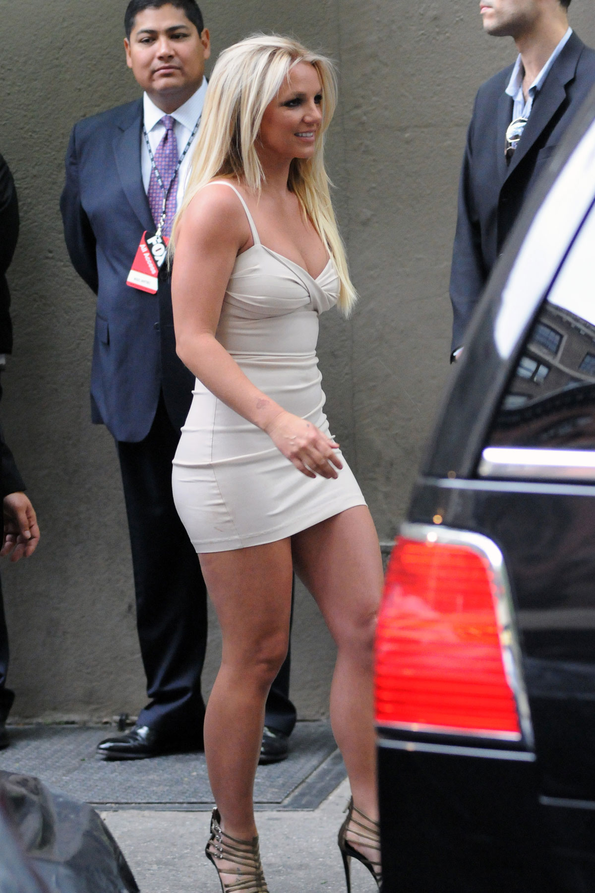 BRITNEY-SPEARS-Arriving-at-2012-Fox-Upfr