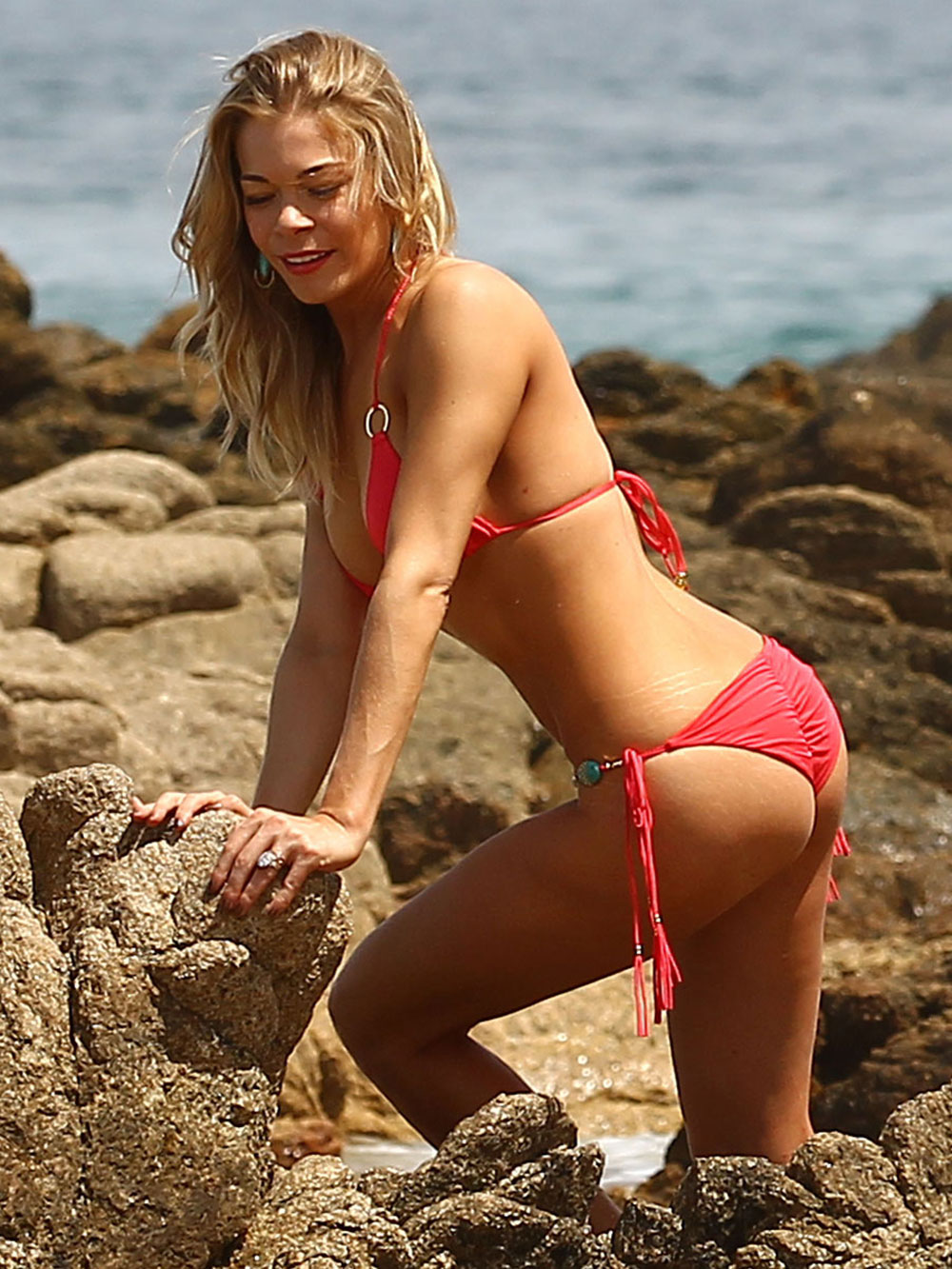 LEANN RIMES Bikini Candids at the Beach in Cabo San Lucas: www.hawtcelebs.com/category/leann-rimes/page/7