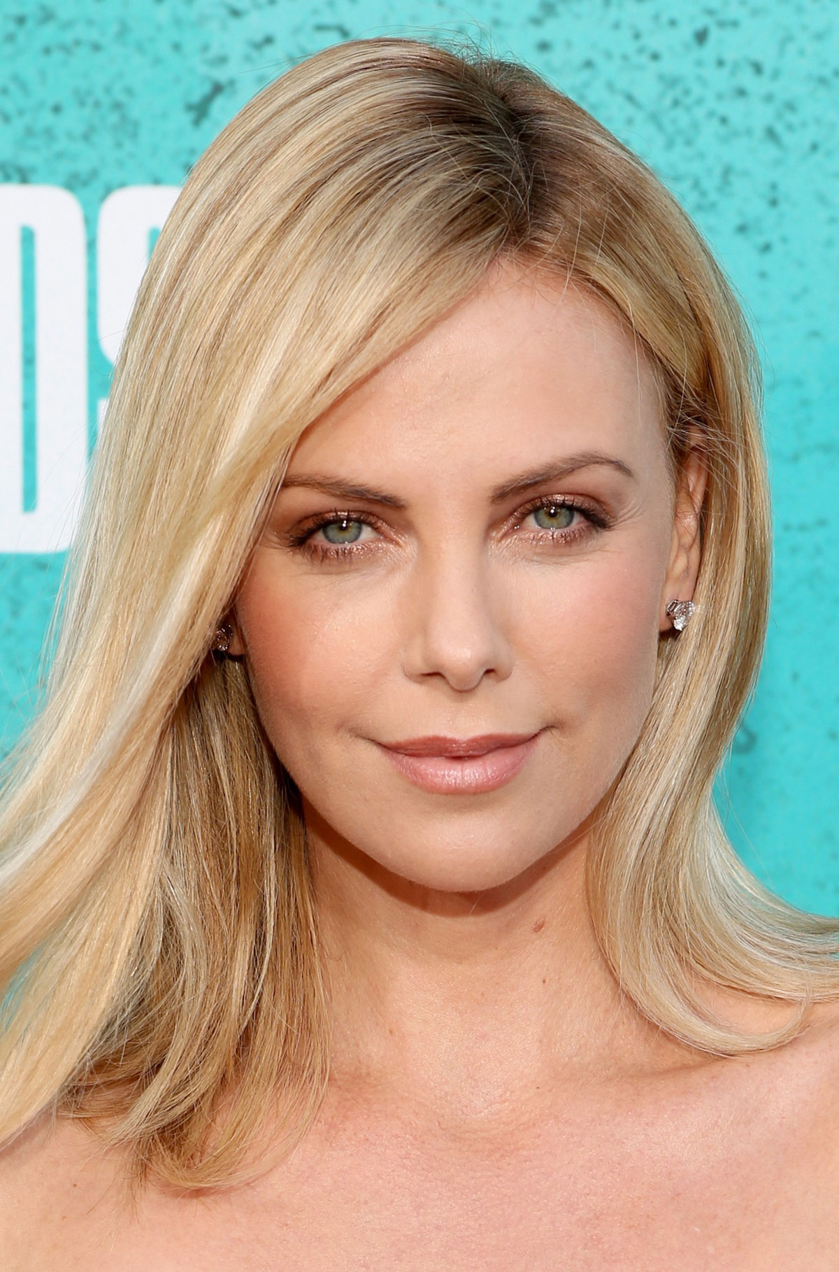 Charlize Theron In Versace For British Vogue: CHARLIZE THERON At MTV Movie Awards 2012 At Universal