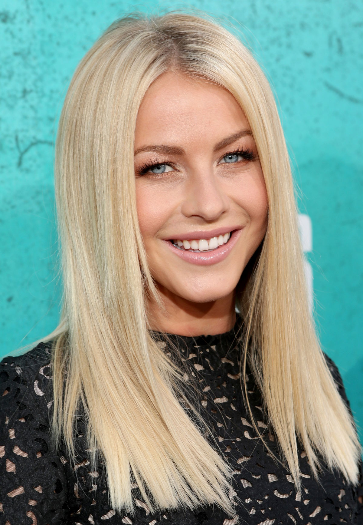 Julianne hough at mtv movie awards 2012 at universal studios in los