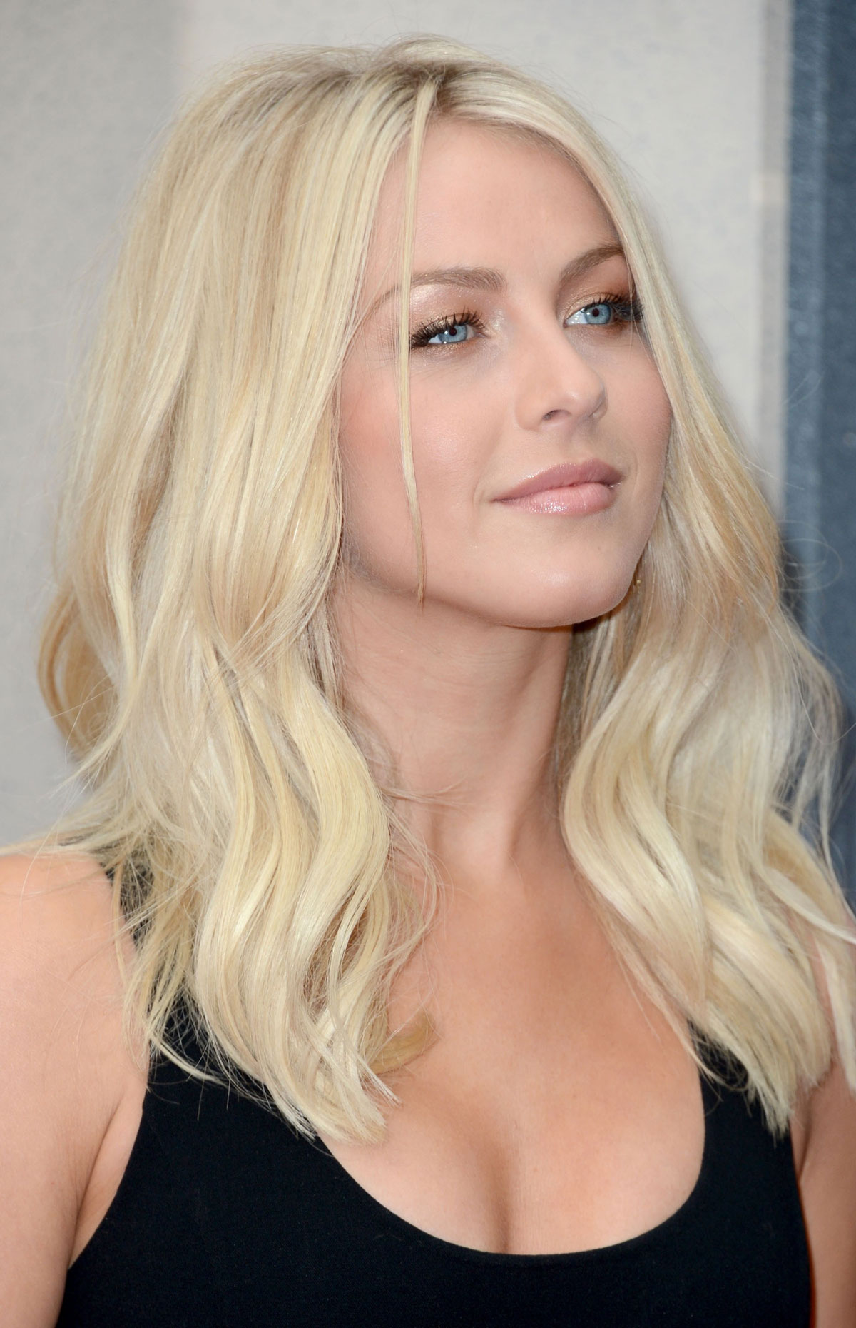 Julianne Hough At Spike Tvs 6th Annual Guys Choice Awards
