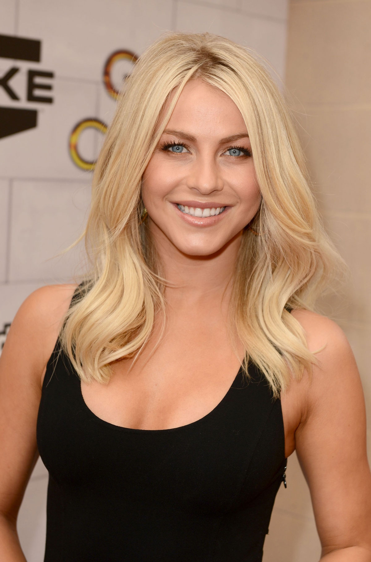 julianne hough at spike tvs 6th annual guys choice awards. Black Bedroom Furniture Sets. Home Design Ideas