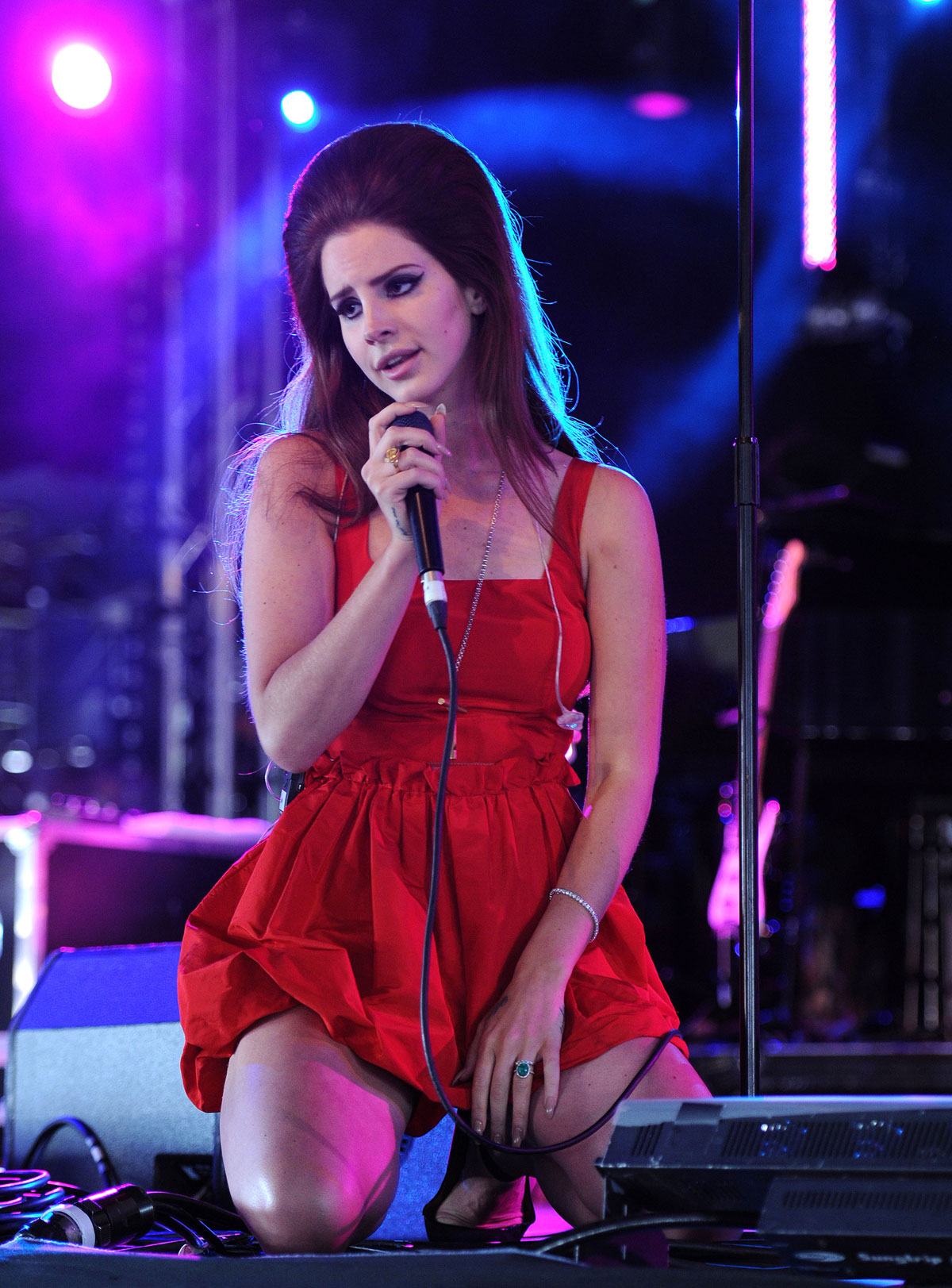 Lana Del Rey Performs At Bbc Hackney Weekend Festival Hawtcelebs