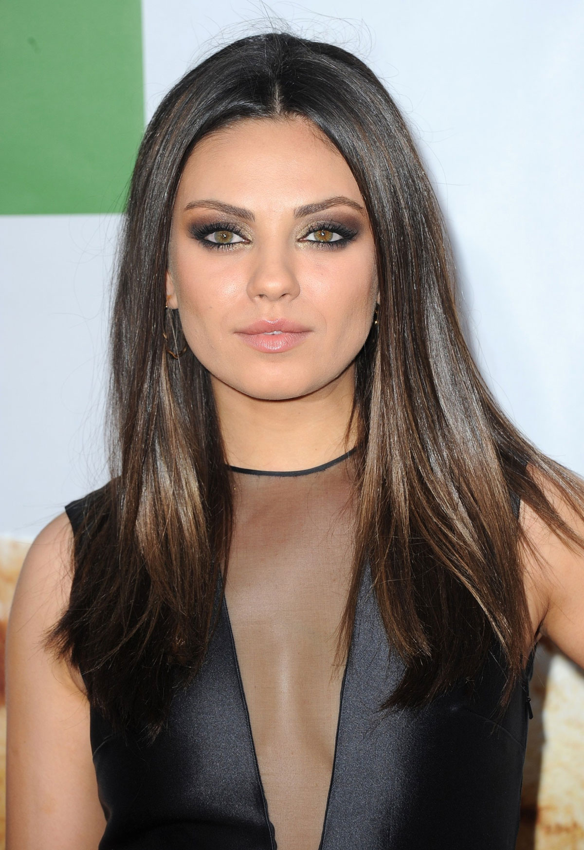 mila kunis at universal pictures ted premiere in hollywood hawtcelebs. Black Bedroom Furniture Sets. Home Design Ideas