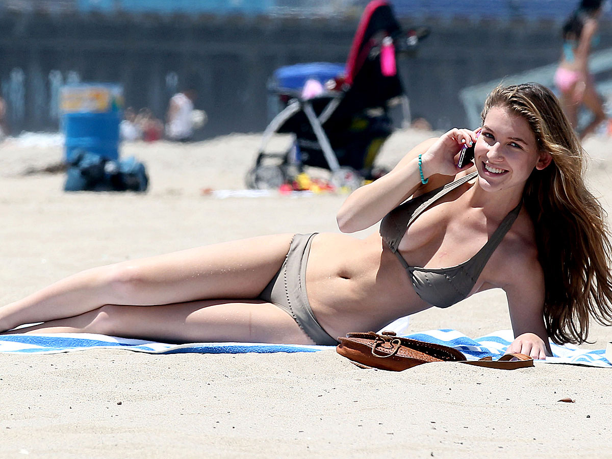 Jessica Shears in Bikini at the beach in Santa Monica Pic 7 of 35