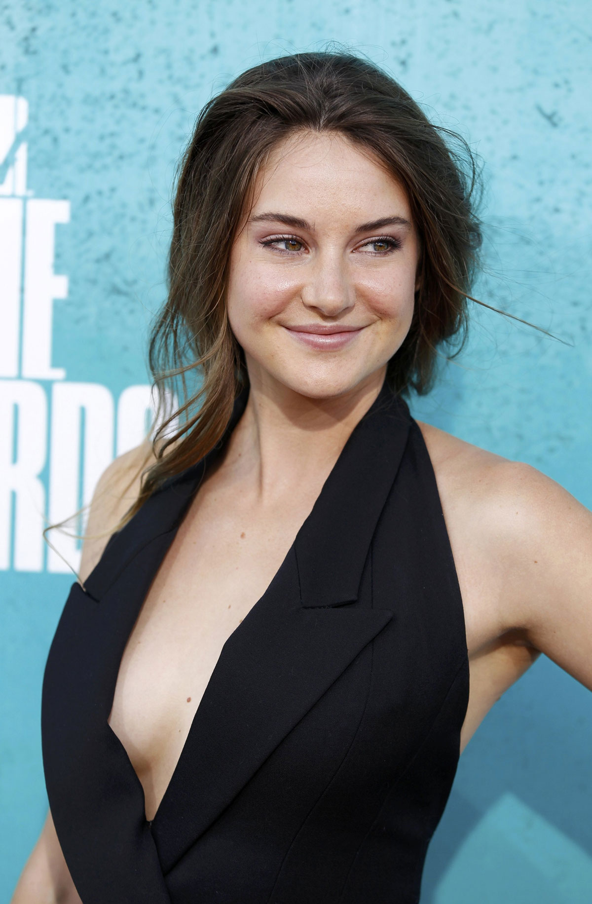 SHAILENE WOODLEY at MTV Movie Awards 2012 at Universal Studios in Los    Shailene Woodley