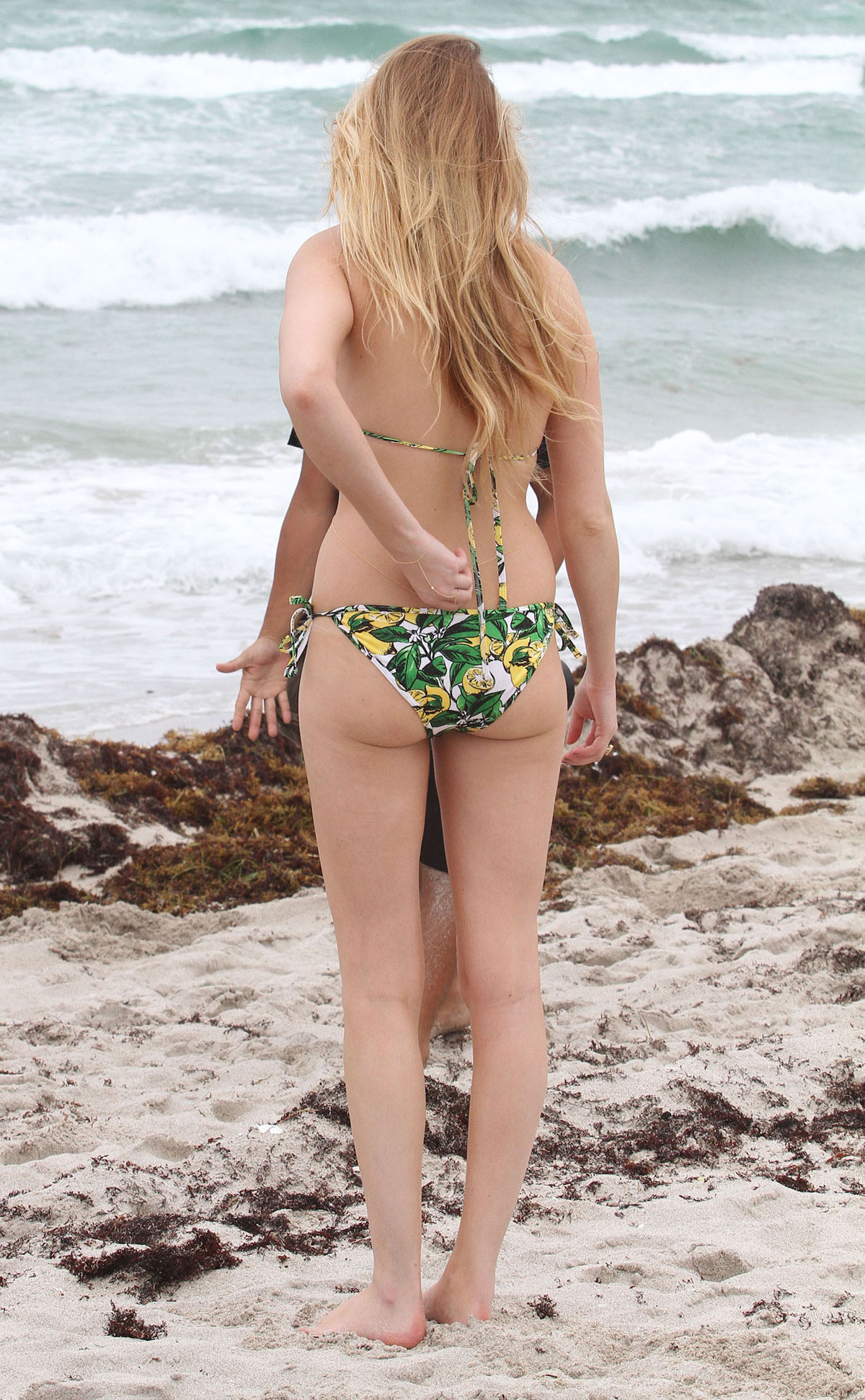 Whitney port bares bikini body, abs in miami