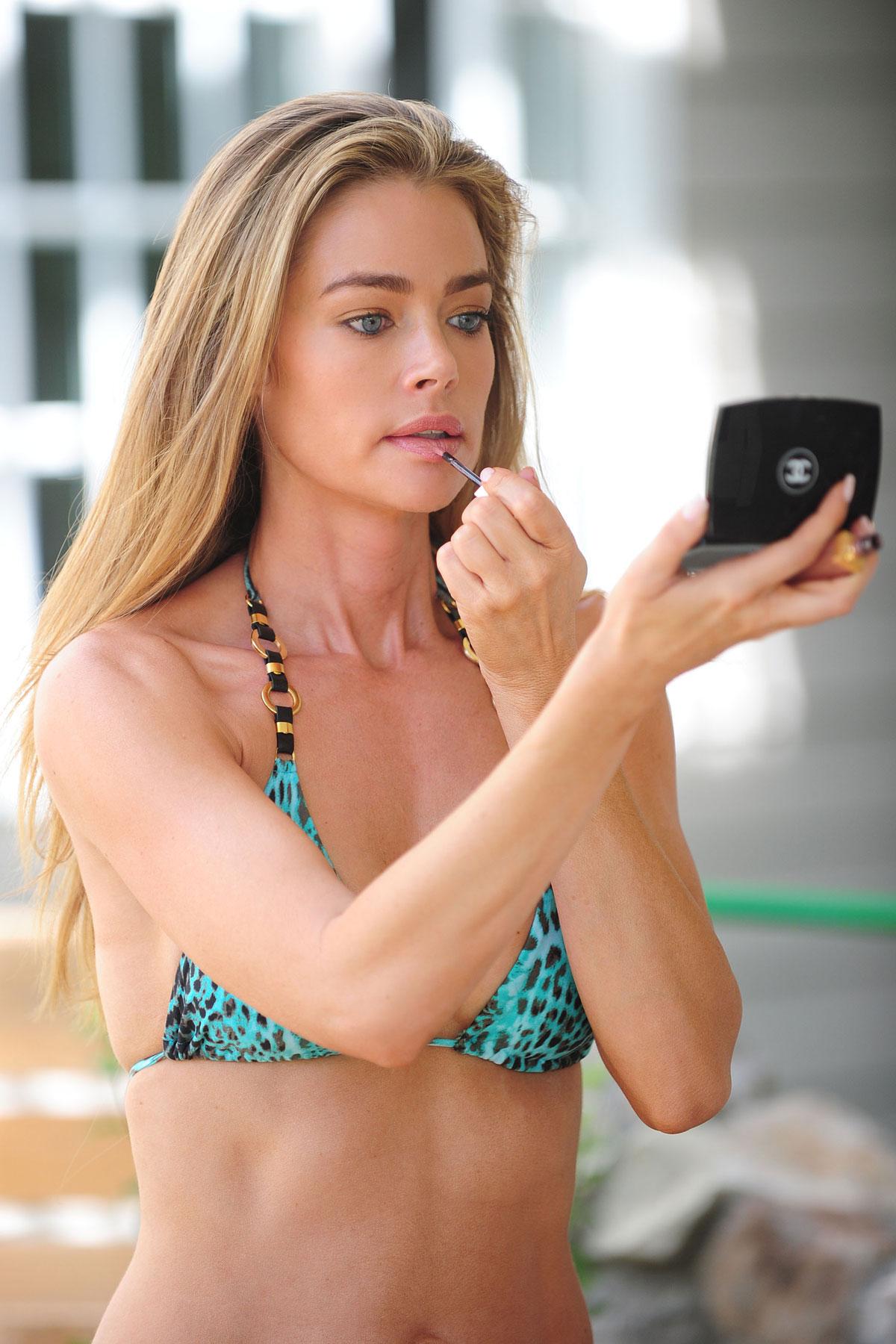 Denise Richards Bikini Pictures