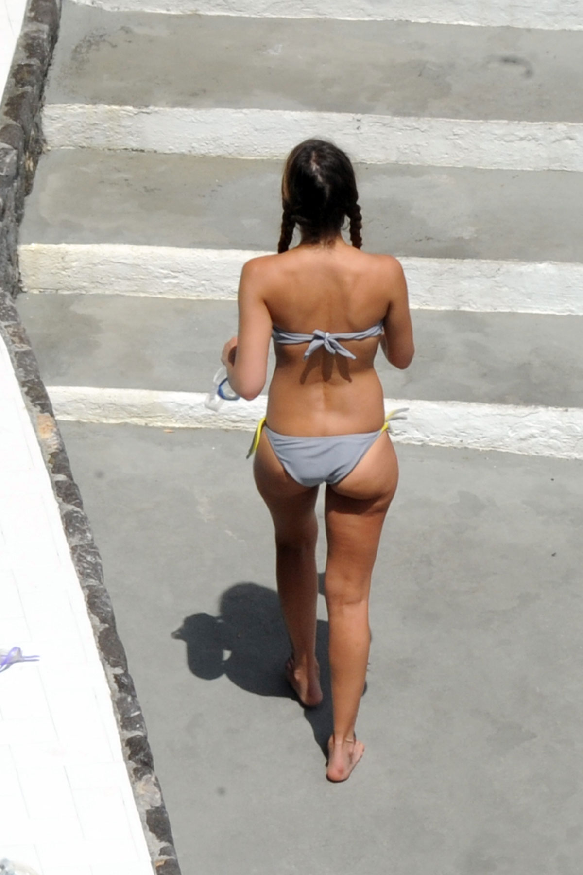 JESSICA ALBA in Bikini on Vacation in Italy 12 Celebrity Wallpapers   Jessica Alba posing in bikini wallpaper