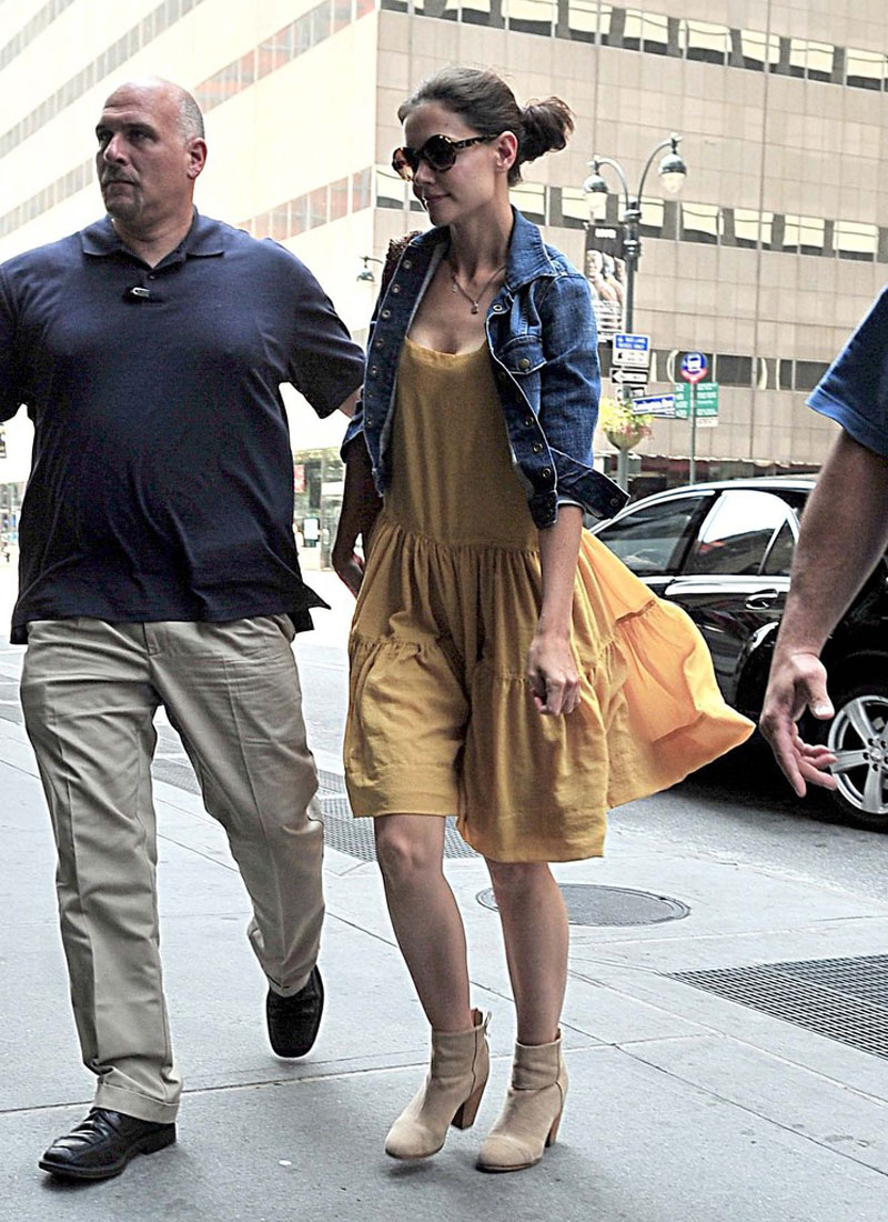 Katie Holmes Archives - Page 11 of 13 - HawtCelebs ... Katie Holmes Attorney
