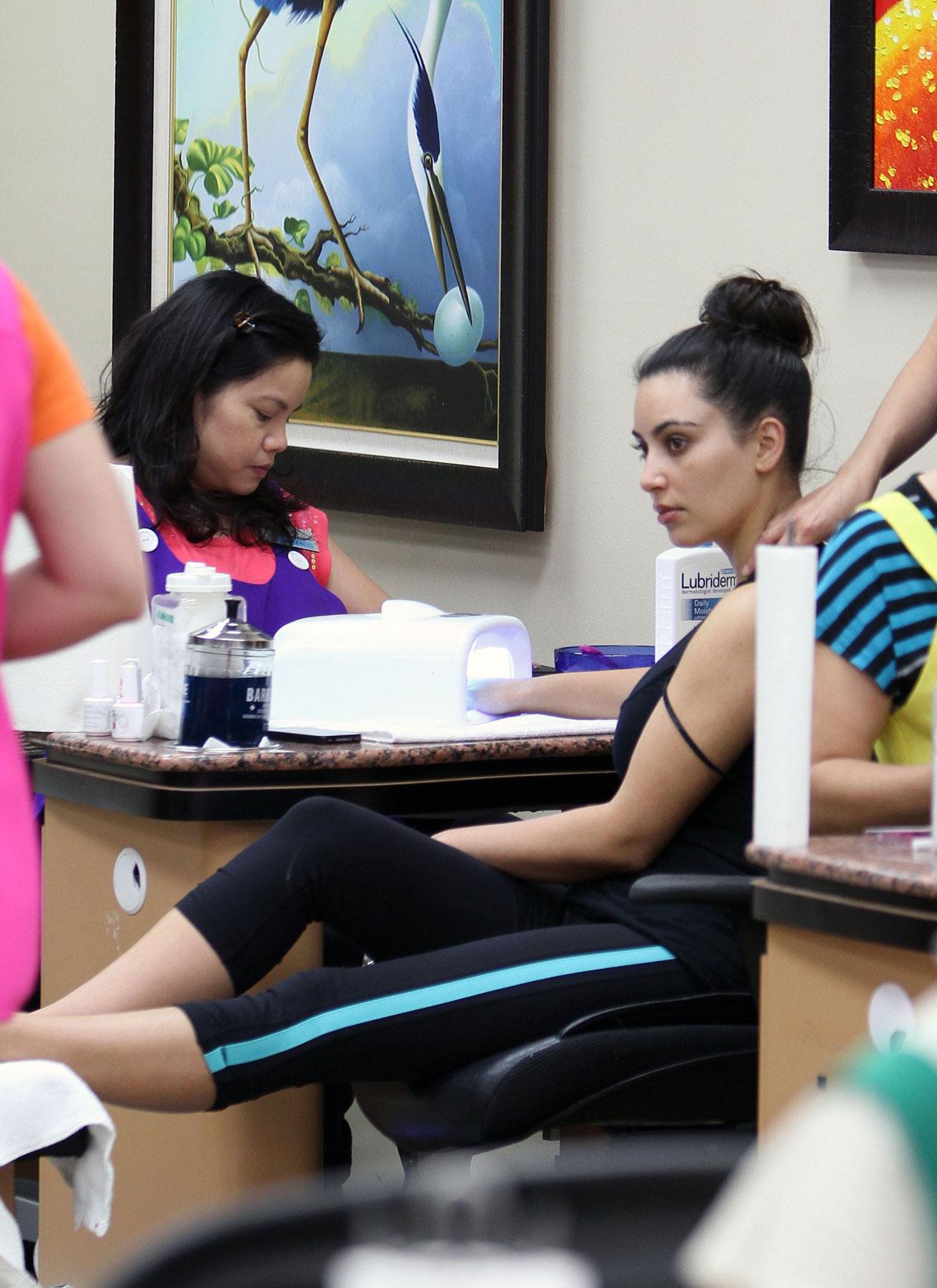 Kim Kardashian Without Makeup At Nail Salon In Beverly
