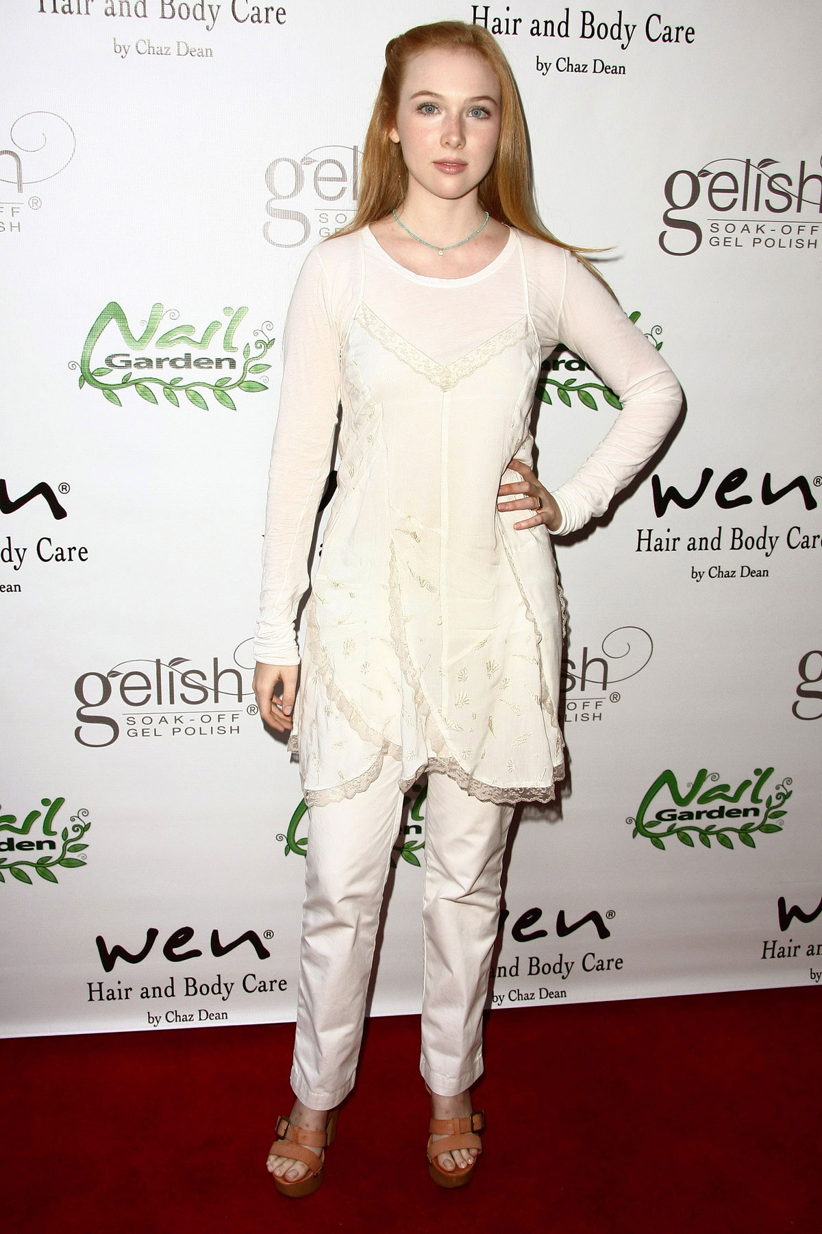 MOLLY QUINN at The Nail Garden Annual Beauty Benefit in Brentwood ...
