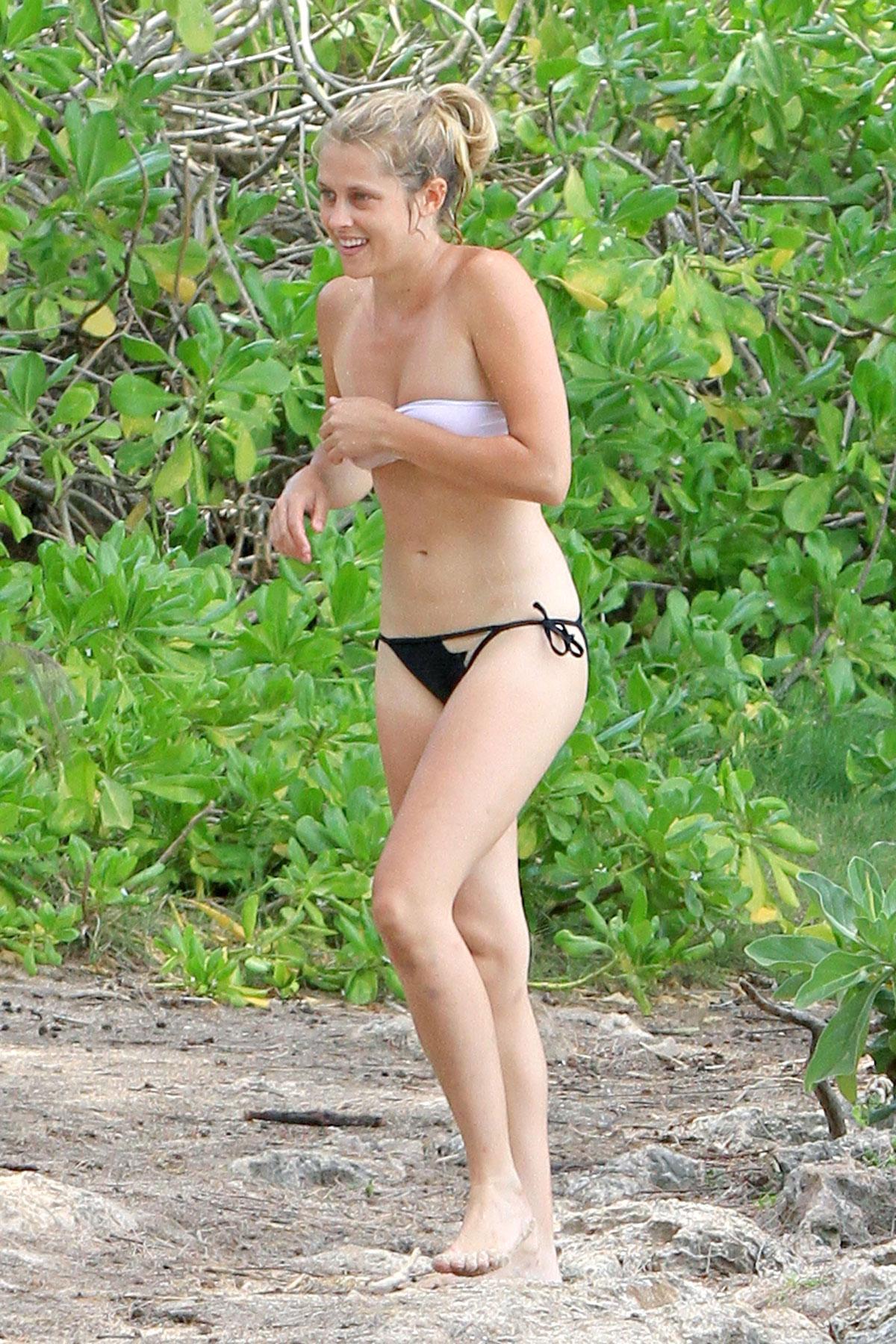 TERESA PALMER in Black and White Bikini in Hawaii 10 white dress premiere blazer fishtail i am number four alex pettyfer blue ...