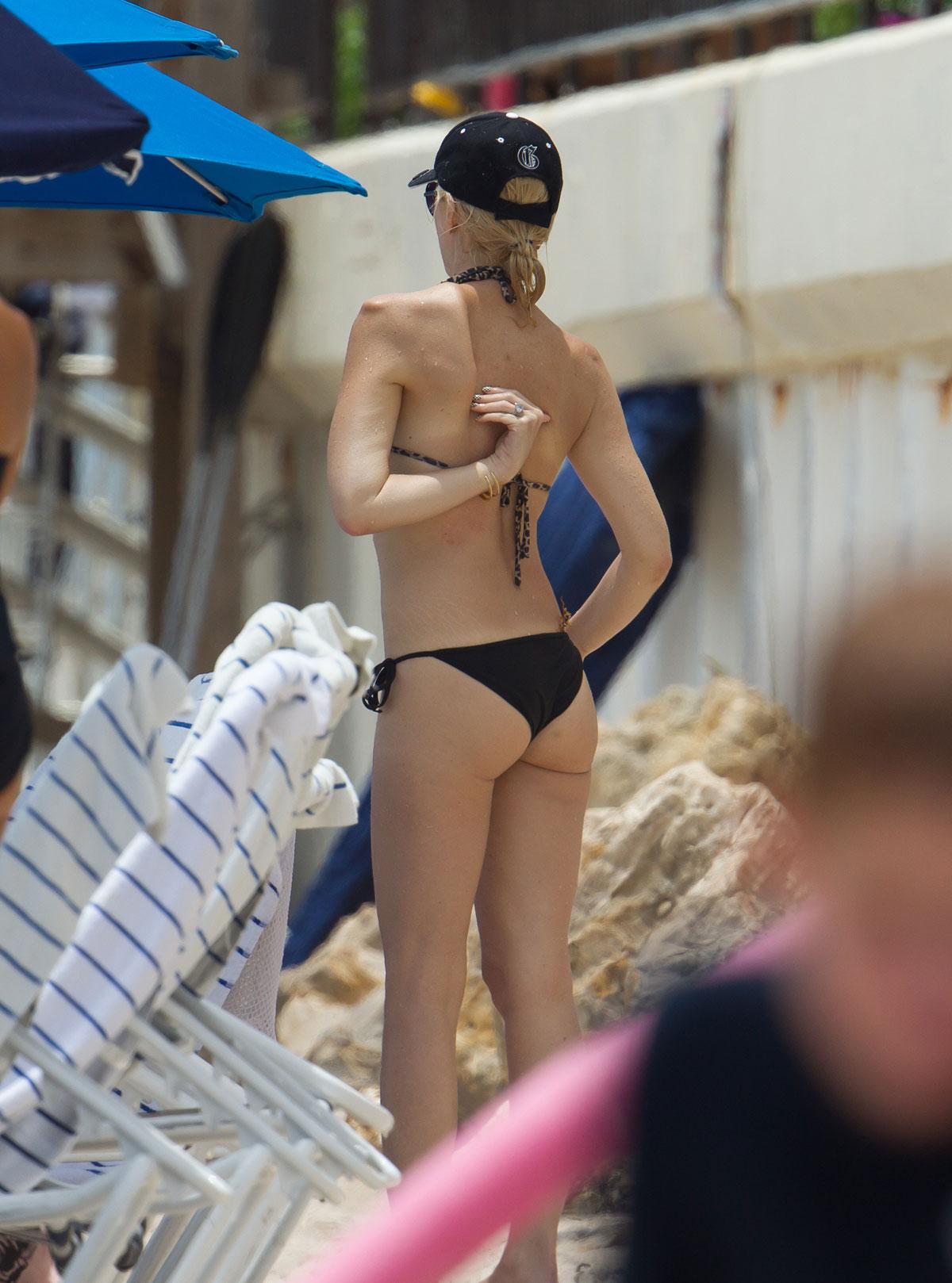 stefani bikini Gwen