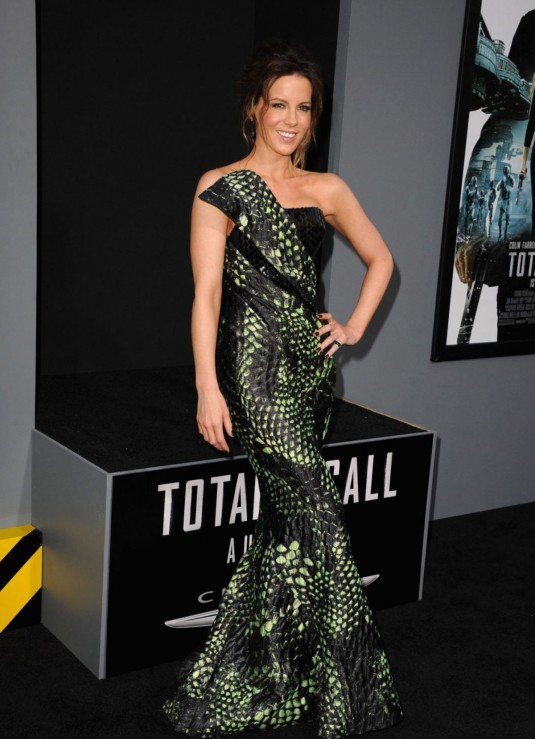 KATE BECKINSALE at Total Recall Premiere in Hollywood