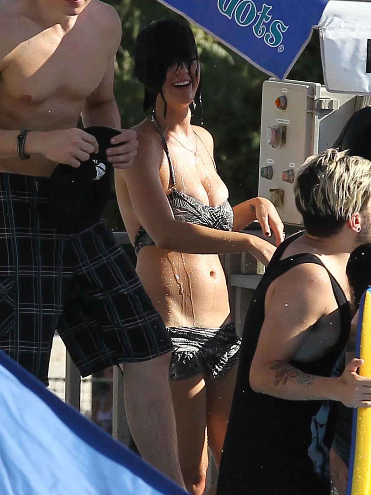 Bikini Bottom Falling Down
