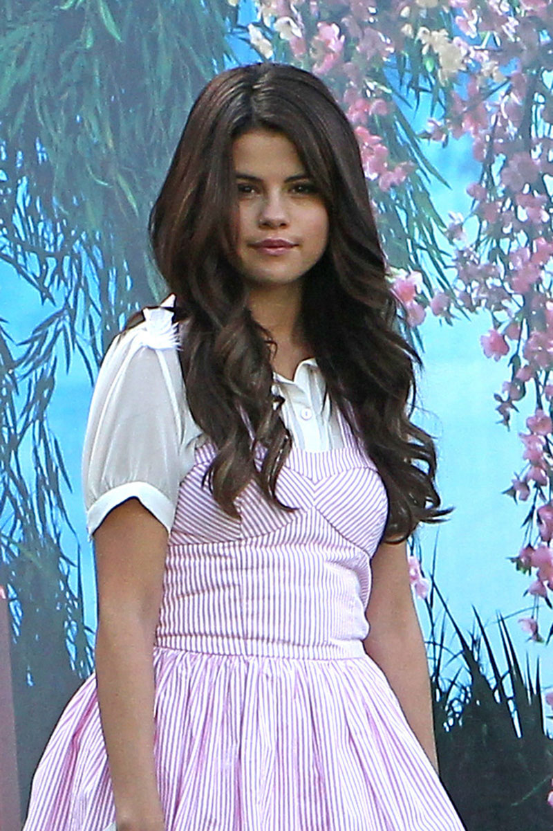 SELENA GOMEZ in Pink Dress on the Set of Feed The Dog in Monrovia ...