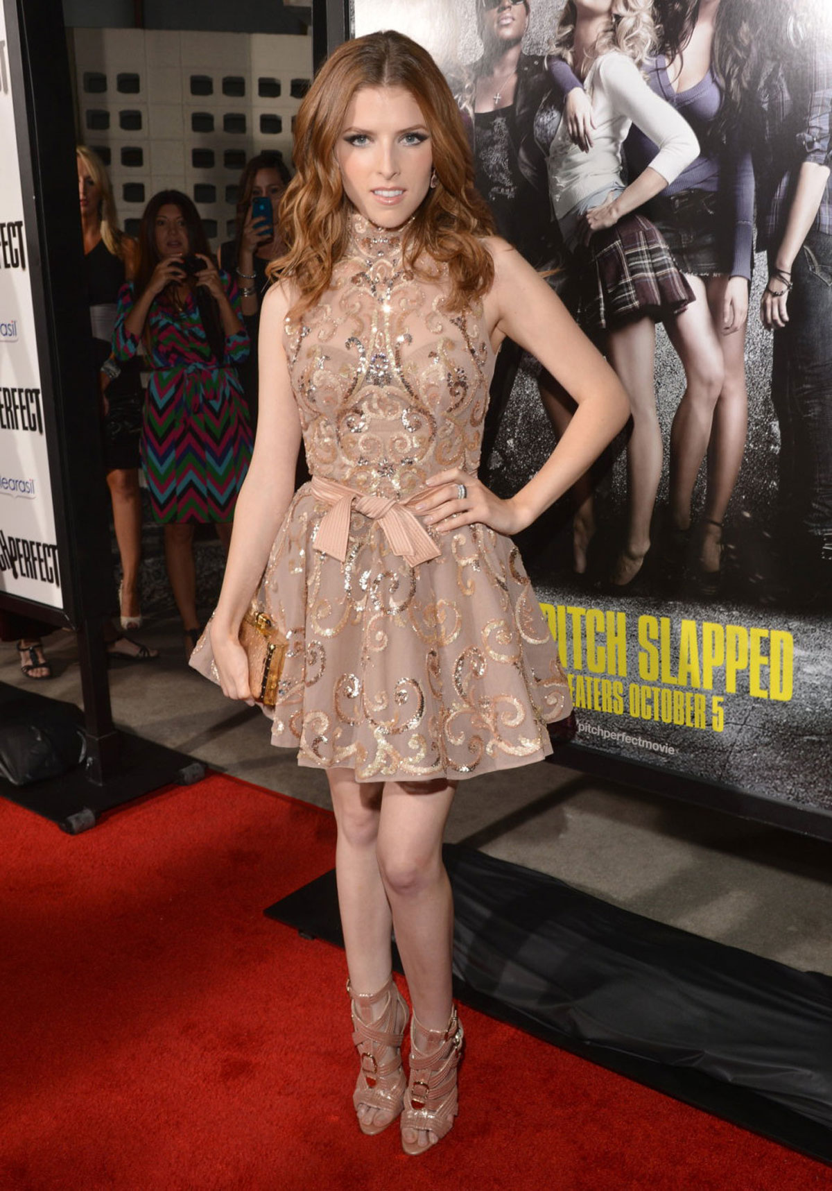 anna kendrick at pitch perfect premiere in los angeles