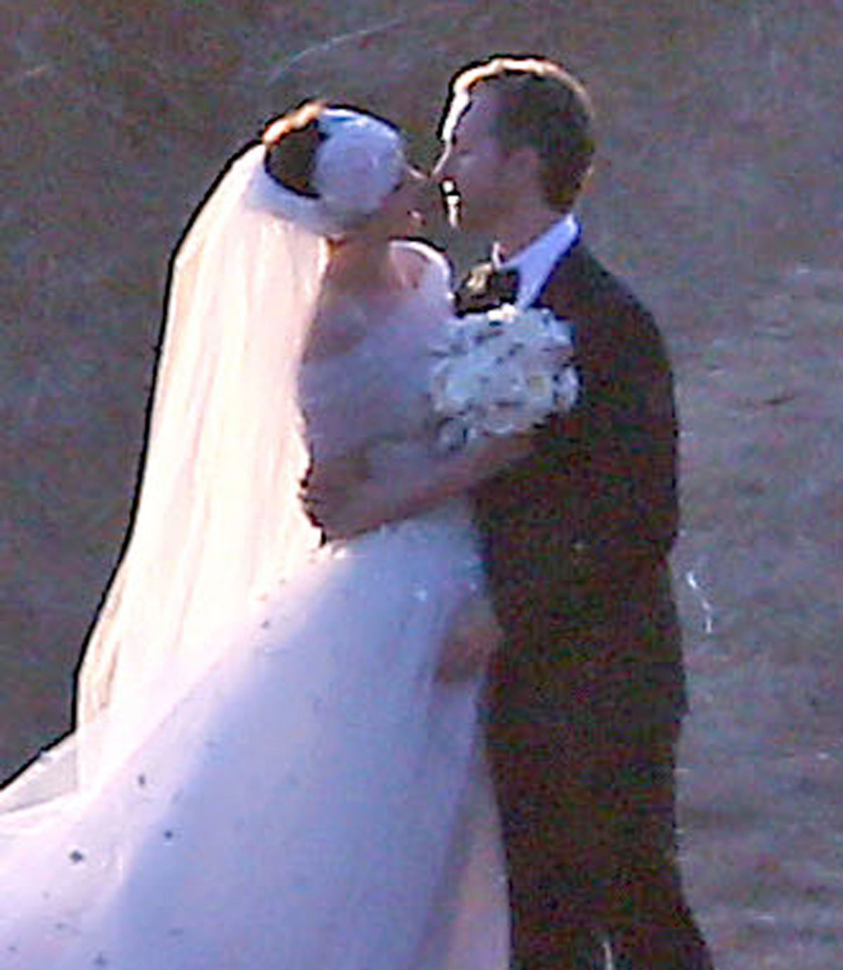 Anne Hathaway Wedding.Anne Hathaway Wedding Pictures Hawtcelebs