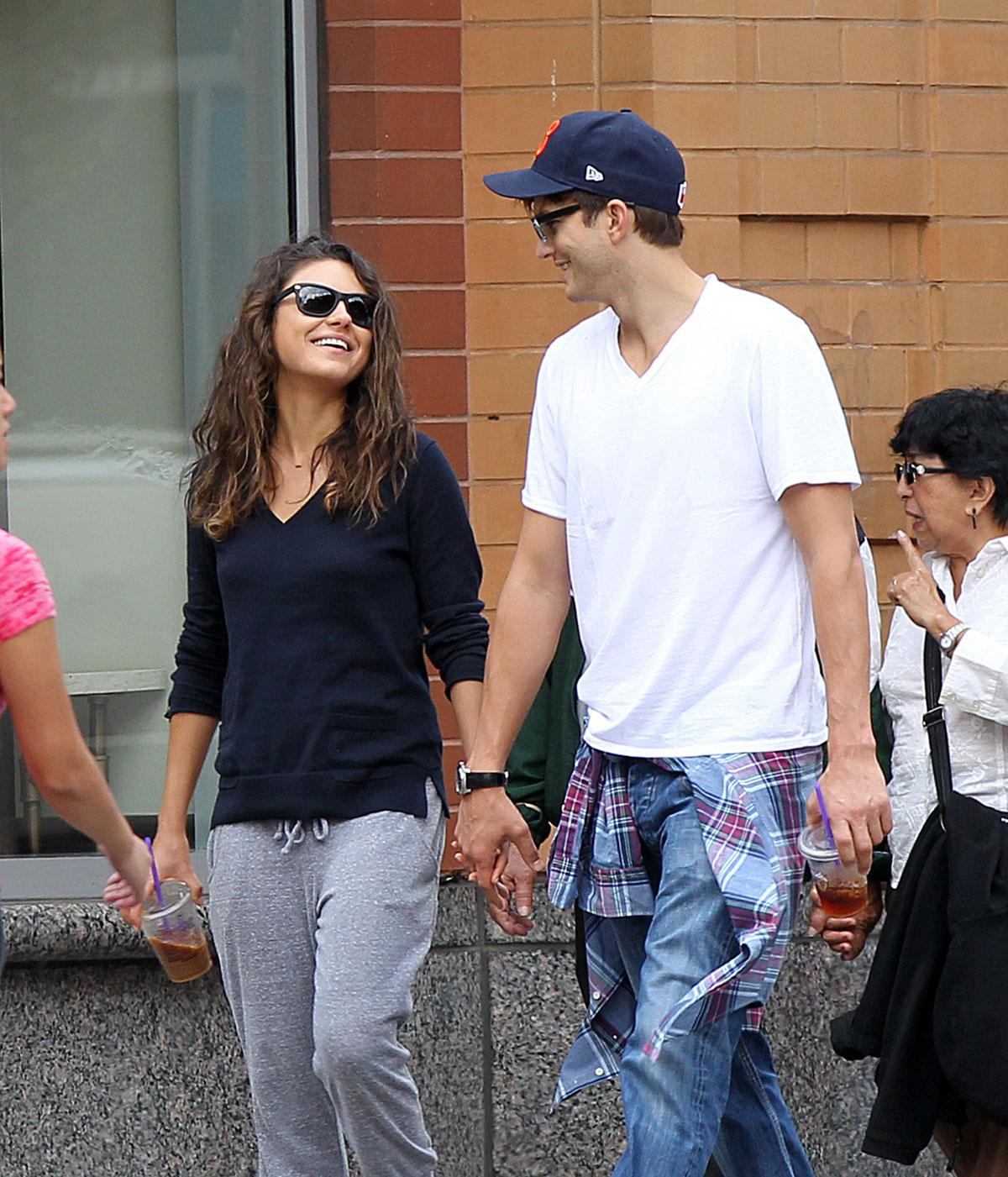 ashton kutcher dating mila kunis 2012 Mila kunis believes she has the world's greatest husband in spouse ashton kutcher they began dating in 2012.