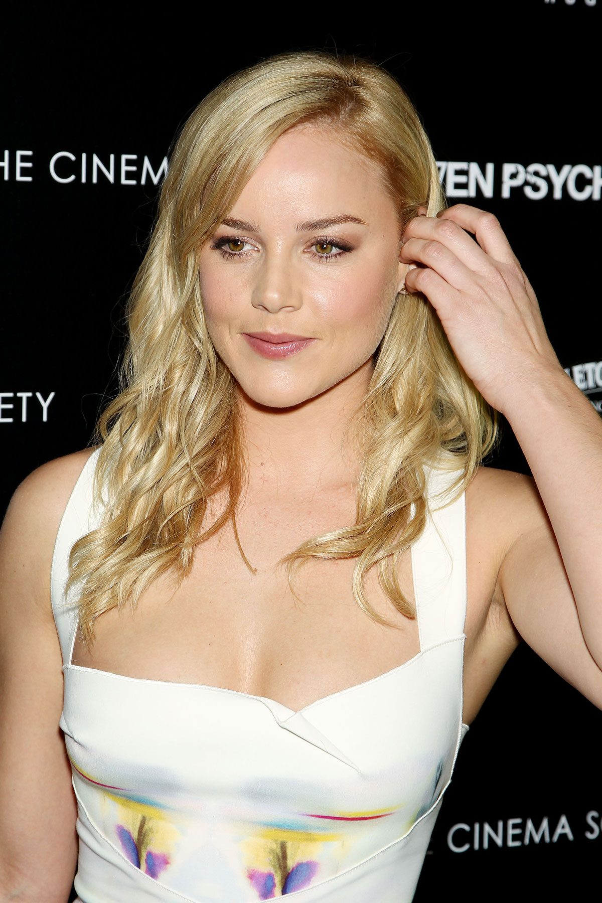 ABBIE CORNISH at Seven Psychopaths Premiere in New York - HawtCelebs ... Abbie Cornish