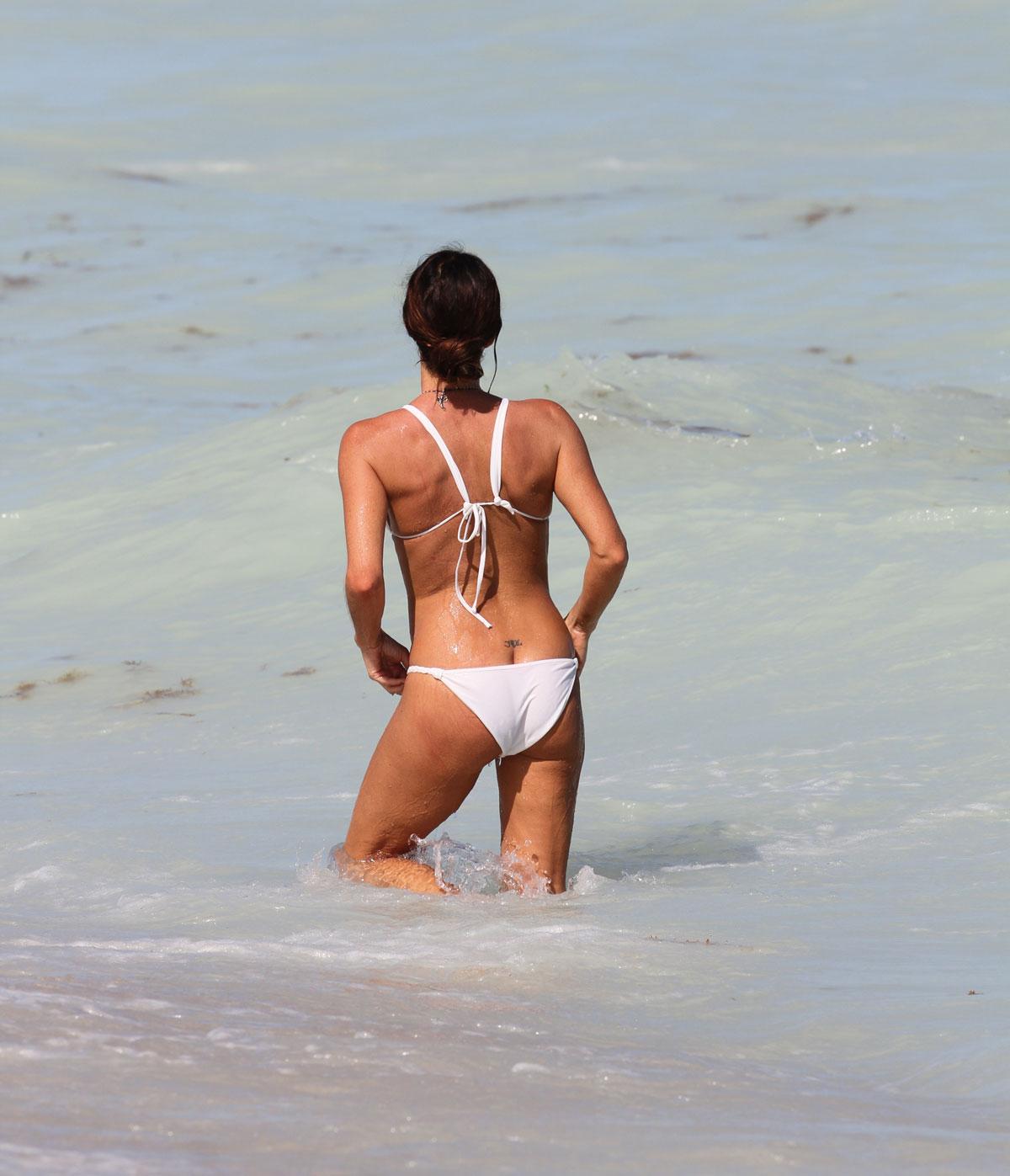 Gabrielle fitzpatrick nice guy bikini — pic 13