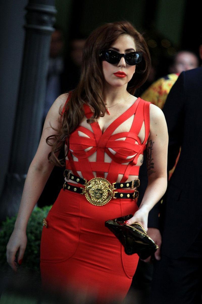 Lady Gaga Meets Donatella Versace In Milan Hawtcelebs
