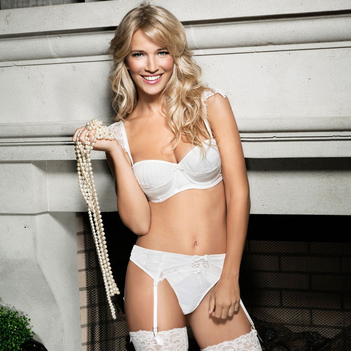 LUISANA LOPILATO In Ultimo Lingerie 2012 Collection