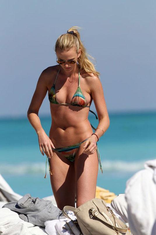Small bikini beaches advise you