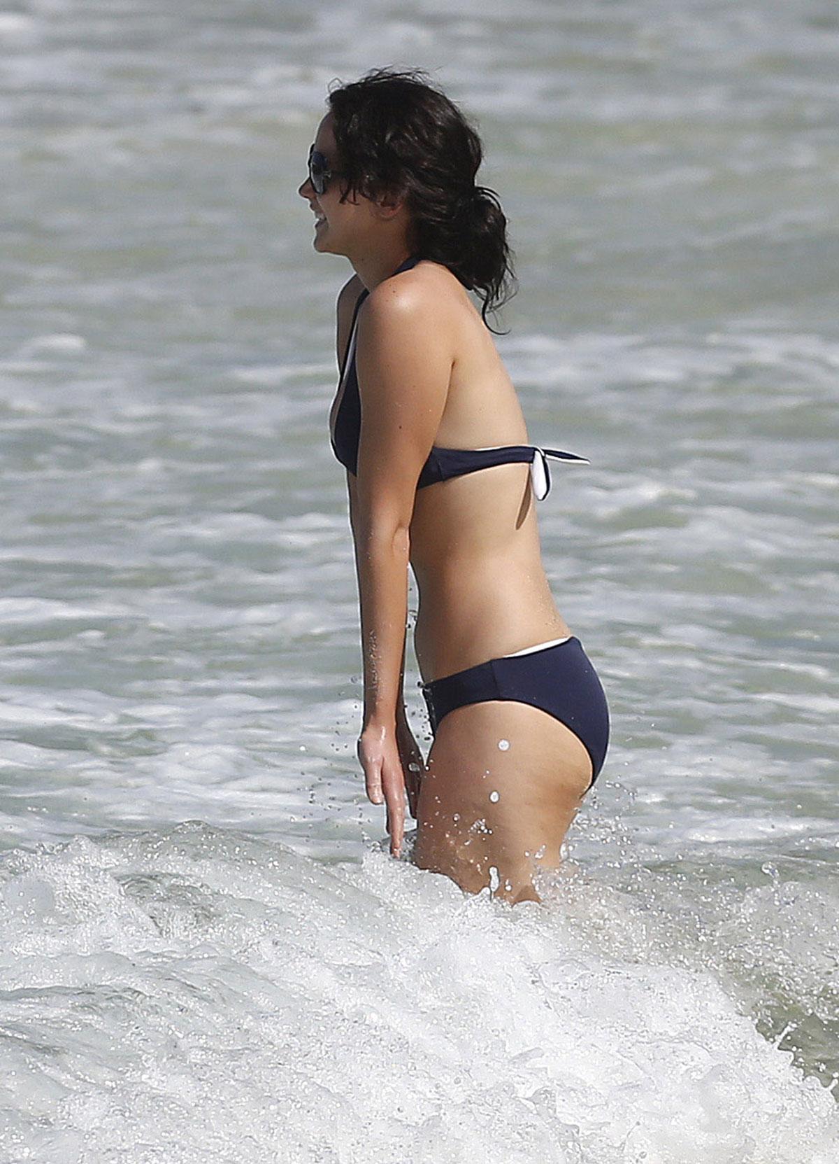 4d83880bc3307 JENNIFER LAWRENCE in Bikini at the beach in Hawaii – HawtCelebs
