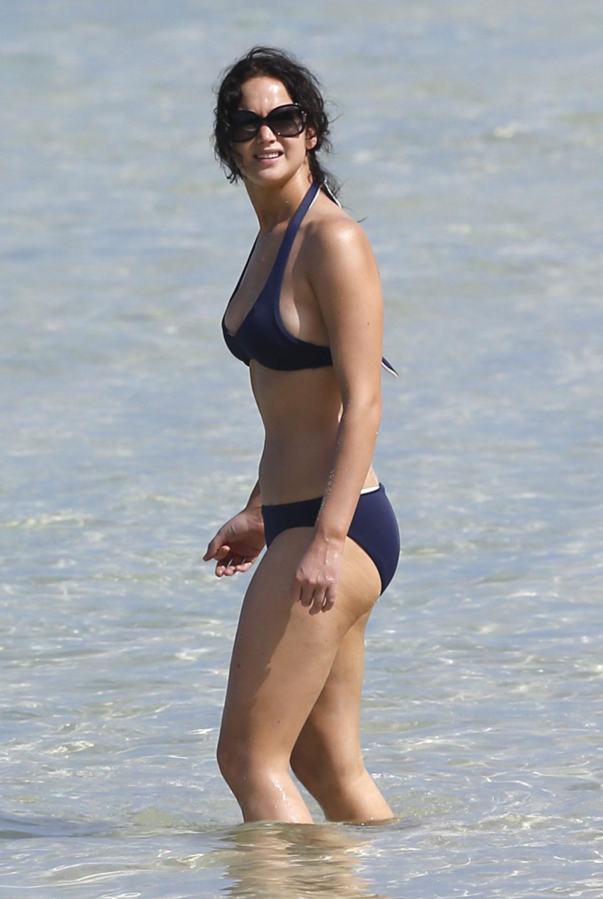 Jennifer lawrence in bikini pics
