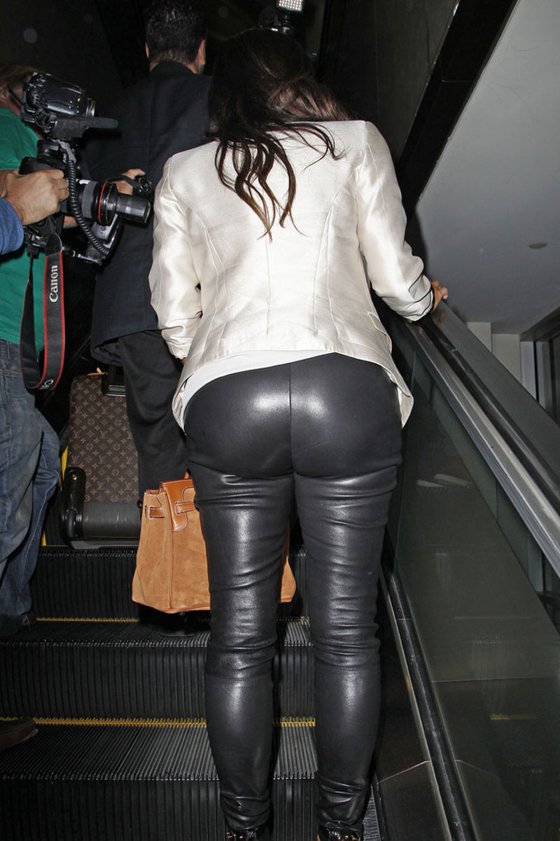 KIM KARDASHIAN in Tight Leather Pants at LAX Airport ...