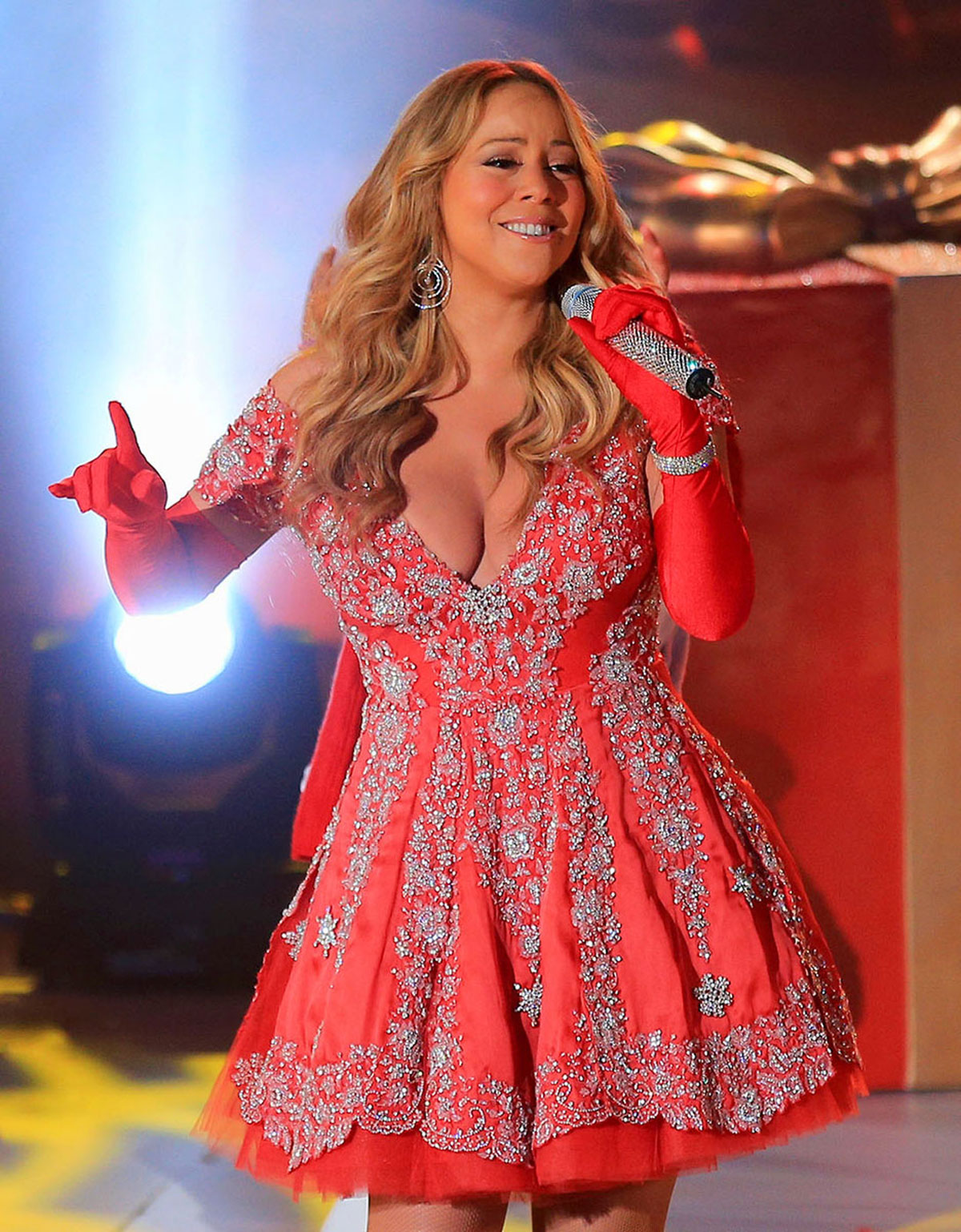 MARIAH CAREY at Rockefeller Center Christmas Tree Lighting Ceremony  sc 1 st  HawtCelebs & MARIAH CAREY at 80th Annual Rockefeller Center Christmas Tree ...