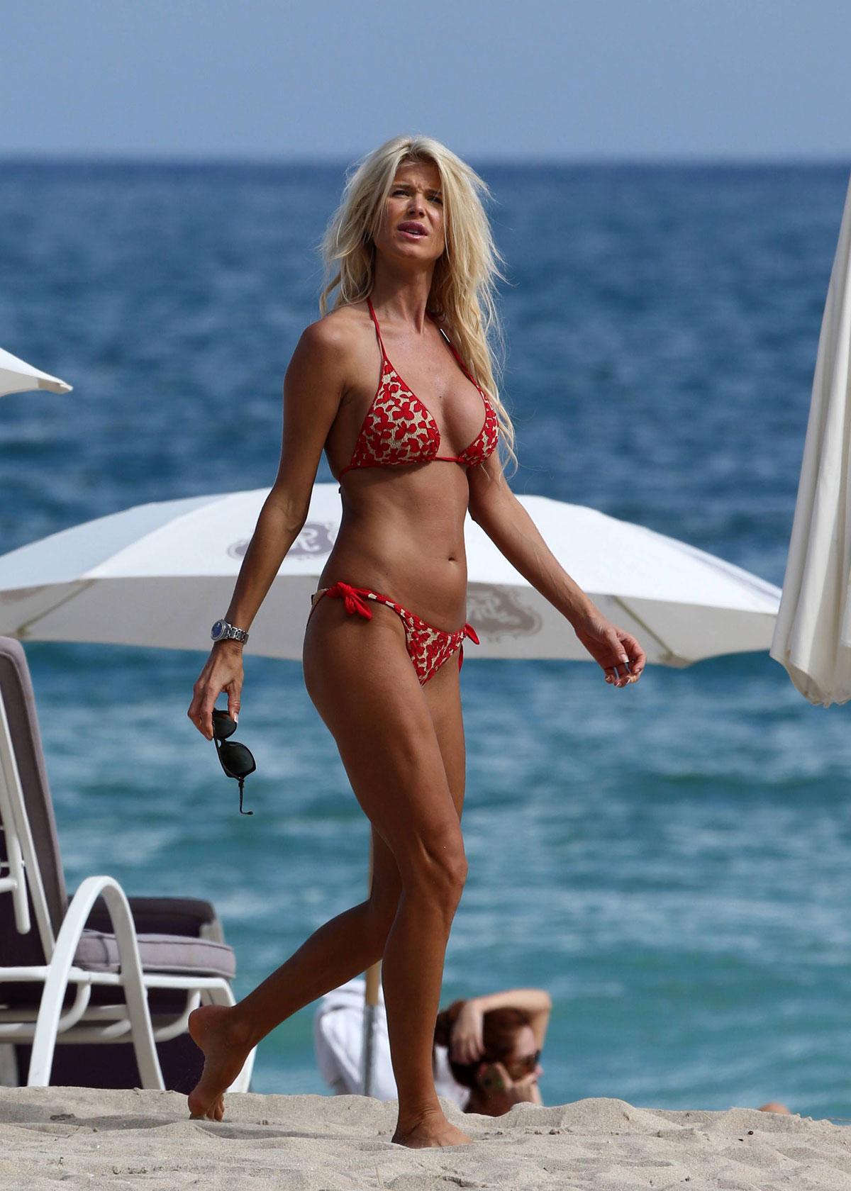 Victoria Silvstedt In Bikini At The Beach In Miami